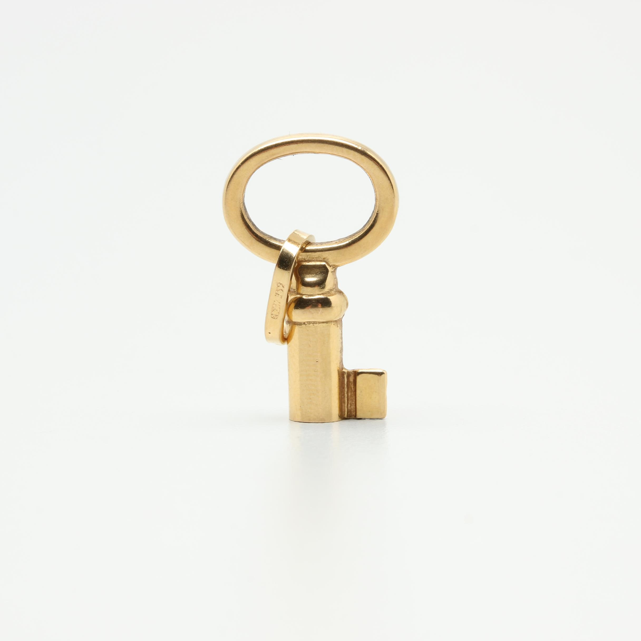 18K Yellow Gold Key Charm Pendant