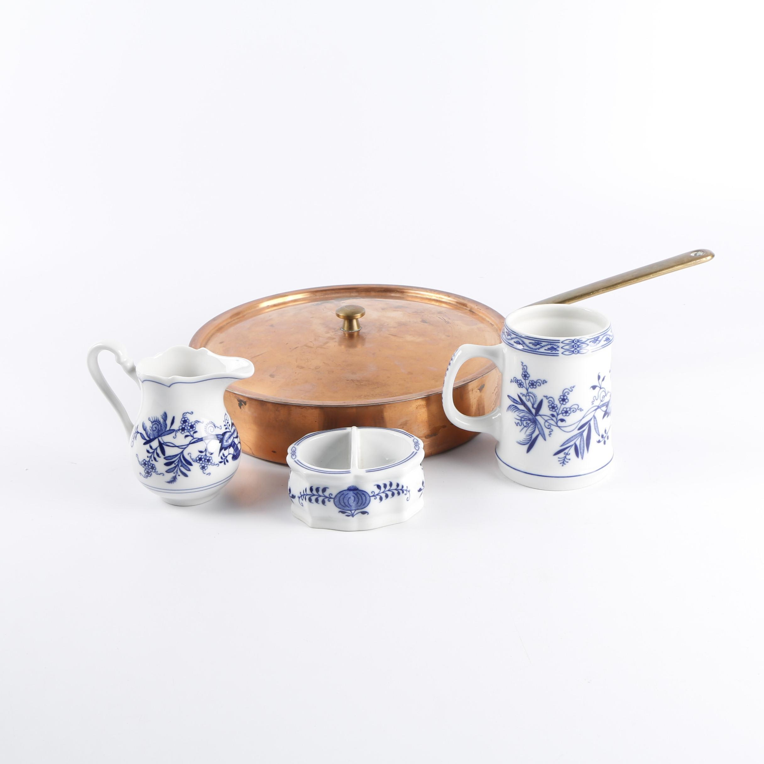 "Zwiebelmuster ""Blue Onion"" Porcelain Serveware with Spring Lidded Copper Pan"