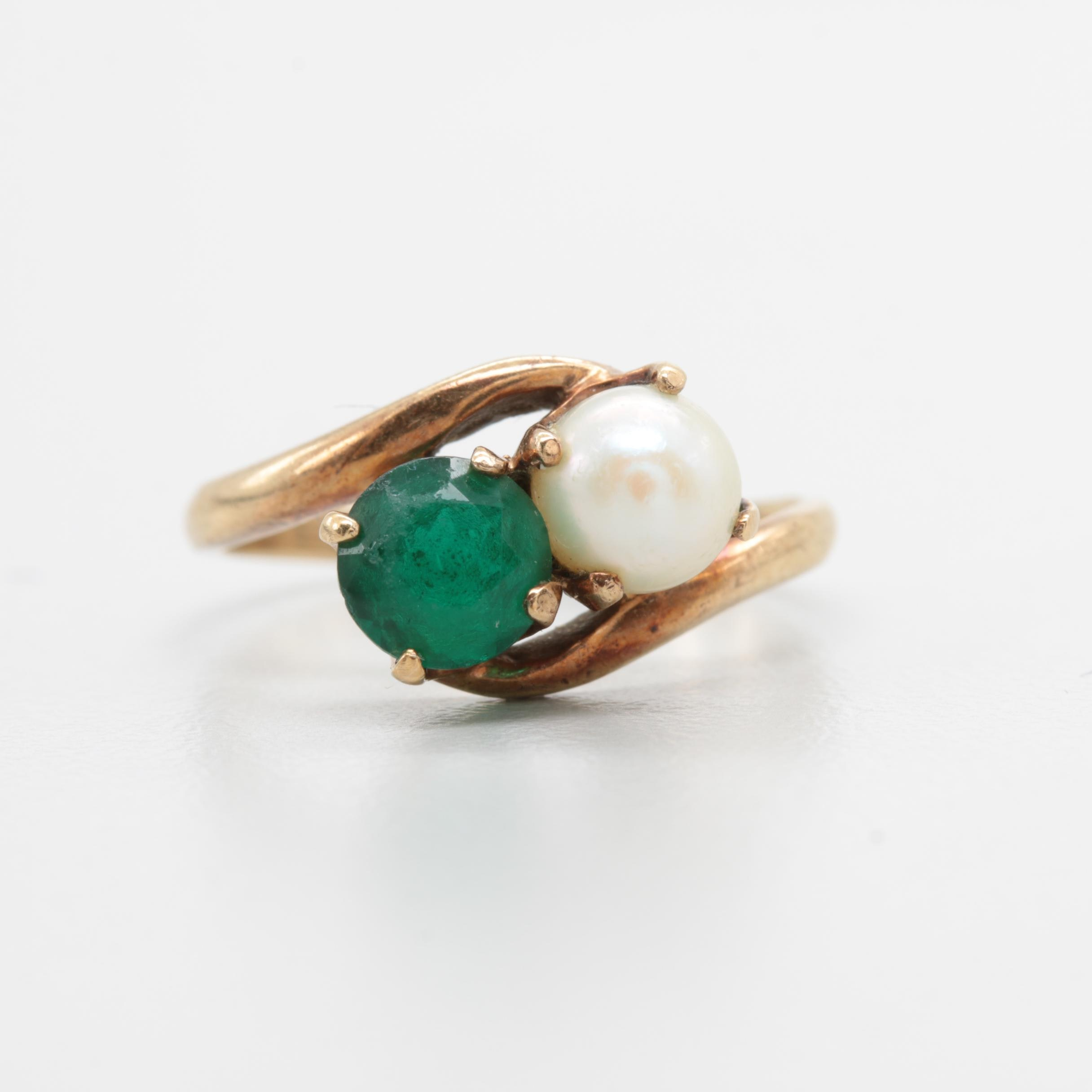 10K Yellow Gold Green Glass and Cultured Pearl Ring