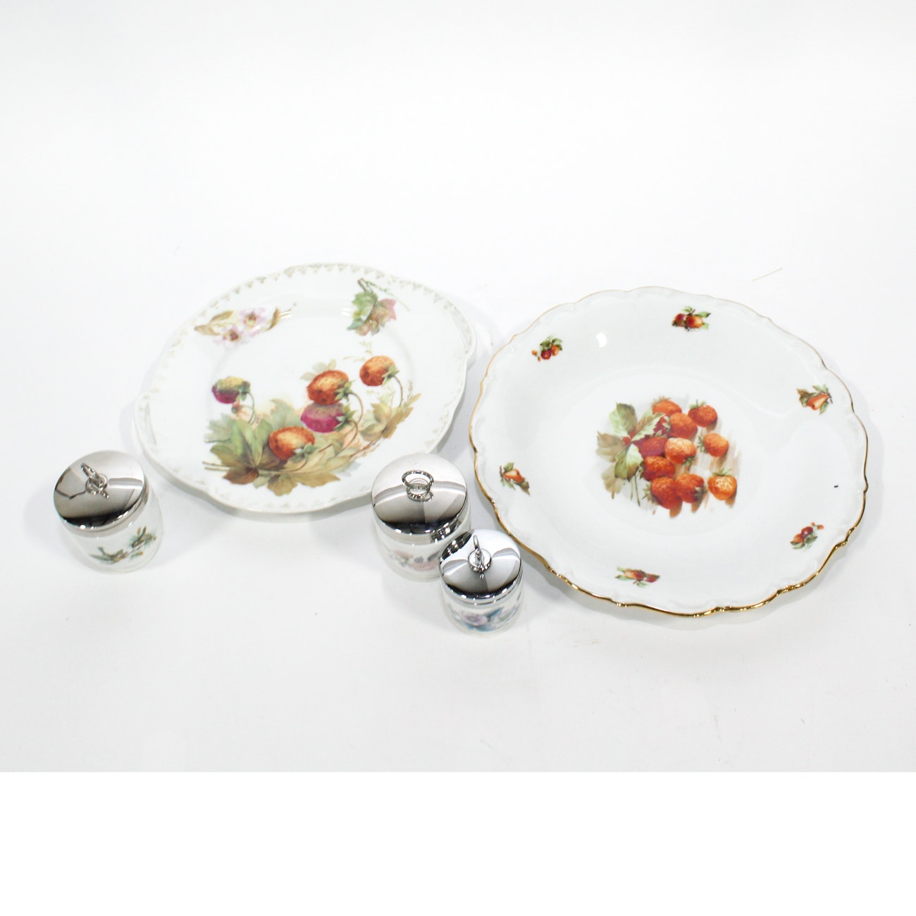 Three Royal Worcester Egg Coddlers and Two Strawberry Plates, 20th Century