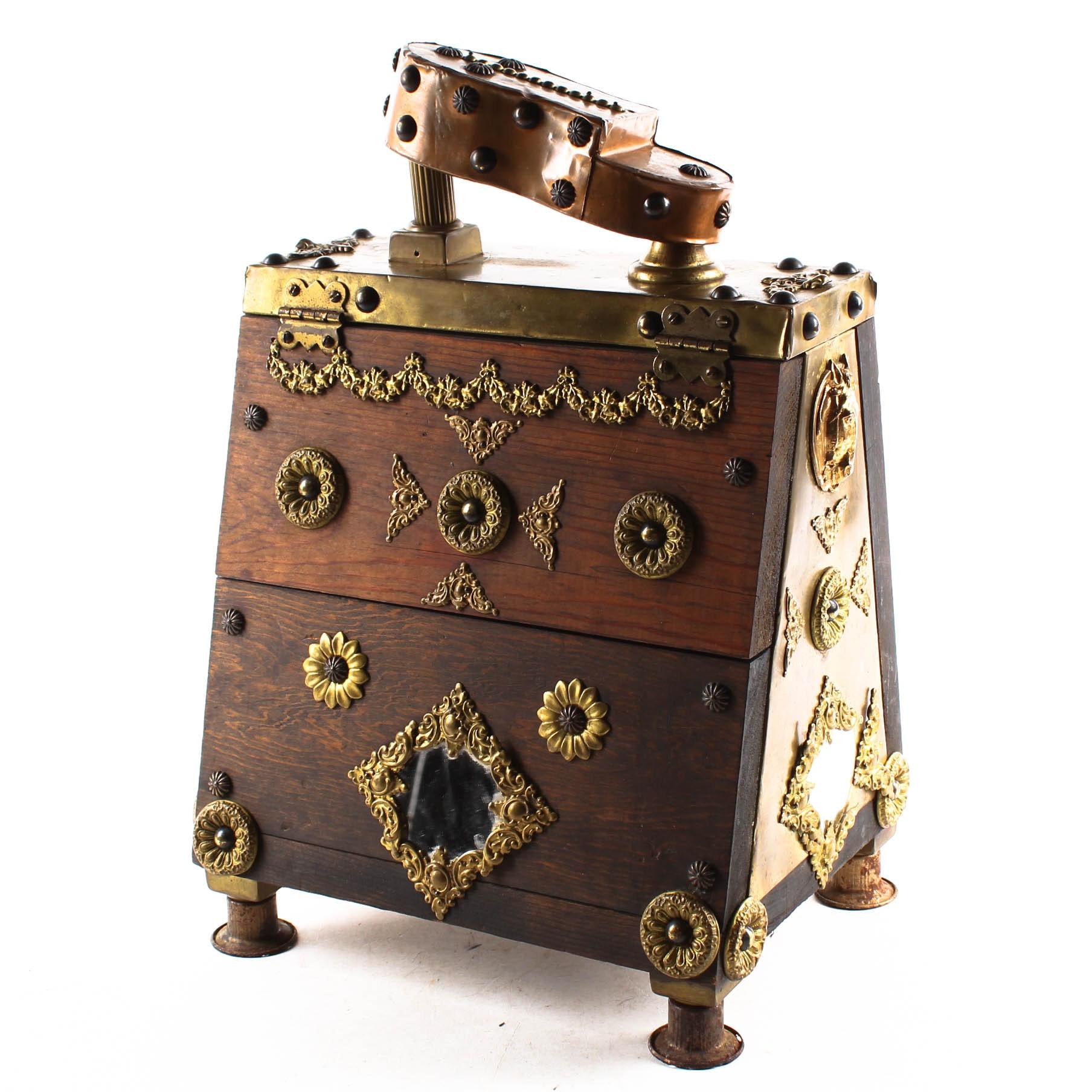 Vintage Portable Wooden Shoe Shine Box