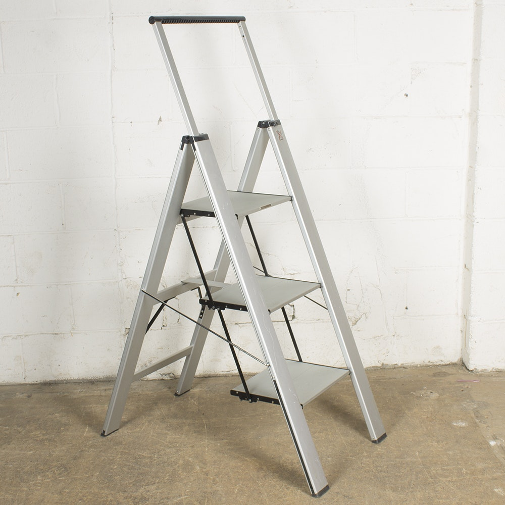 Step Ladder by Frontgate