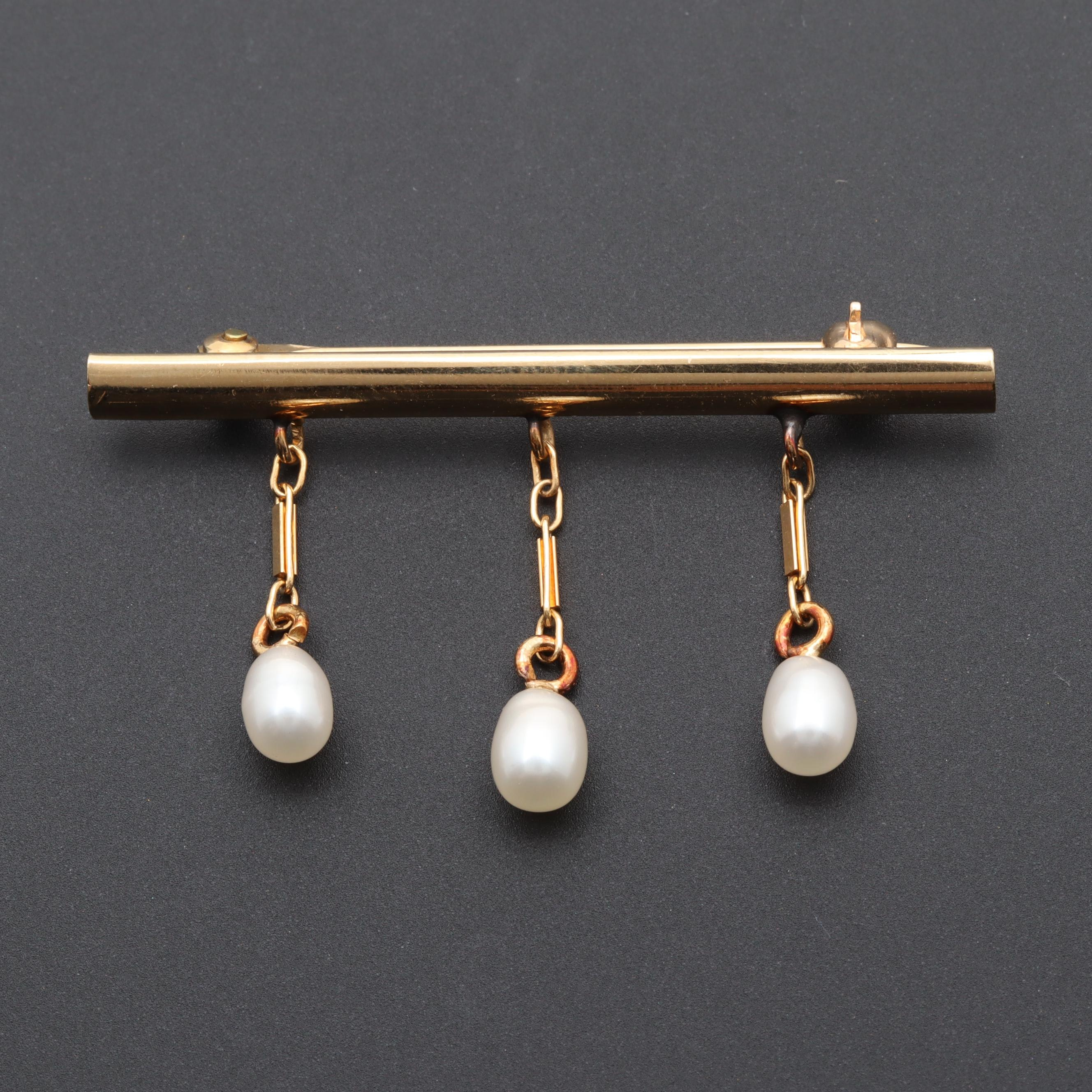 14K Yellow Gold Cultured Pearl Bar Brooch