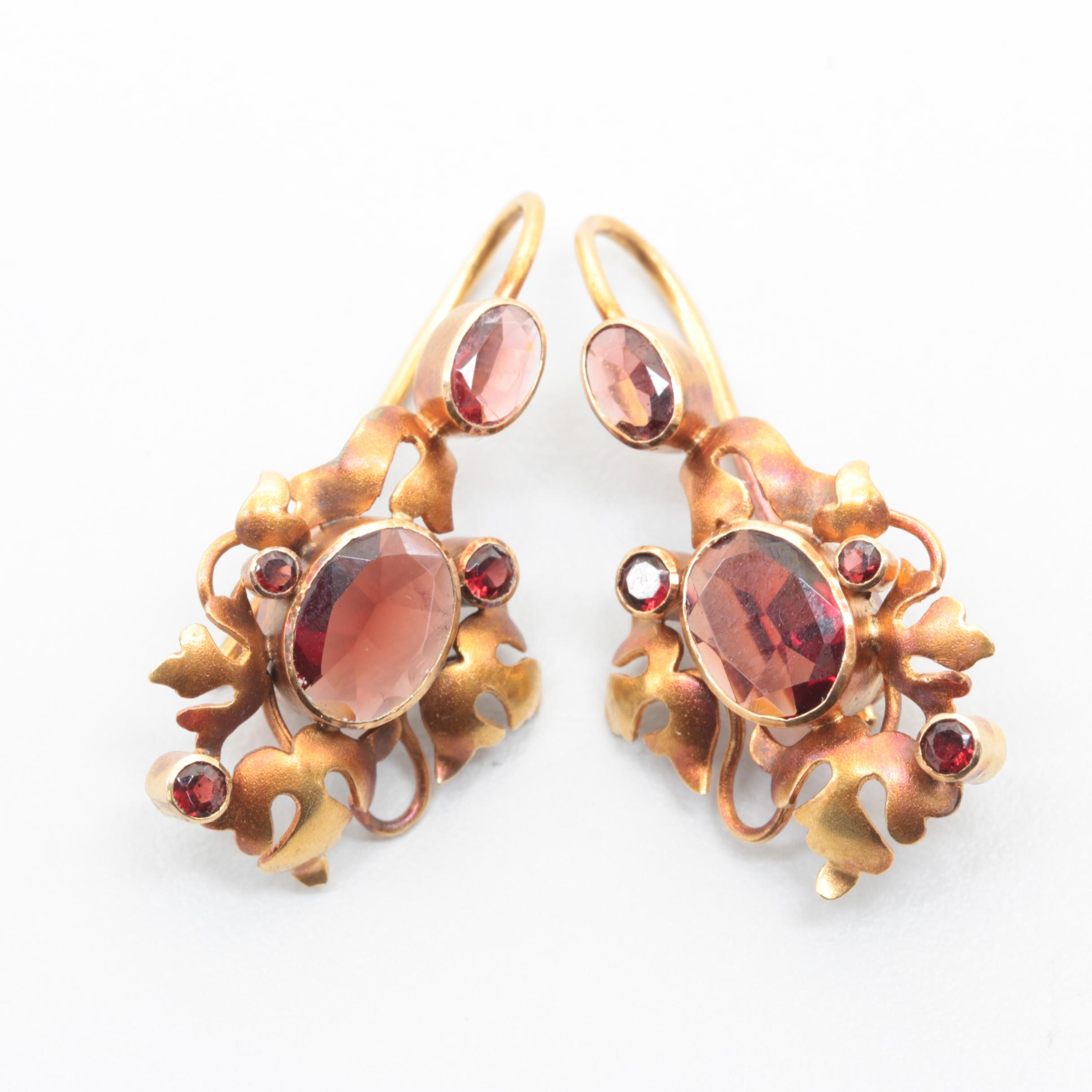 Victorian 18K Yellow Gold Garnet Earrings