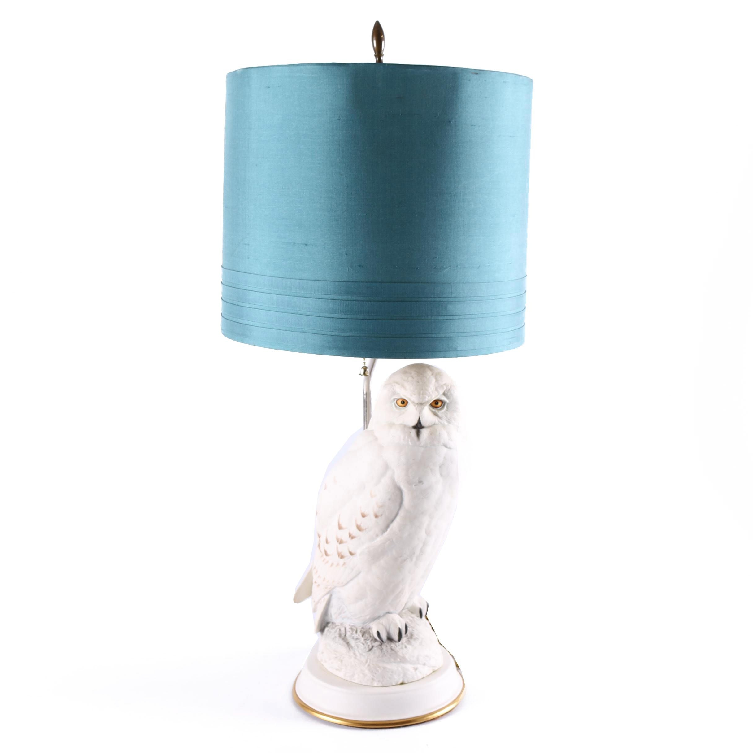 "Franklin Mint ""The Snowy Owl"" Porcelain Figural Table Lamp by Raymond Watson"