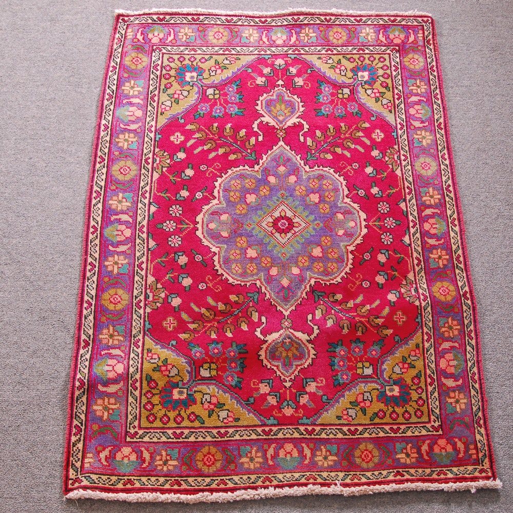 Hand-Knotted Indo-Persian Tabriz Wool Accent Rug