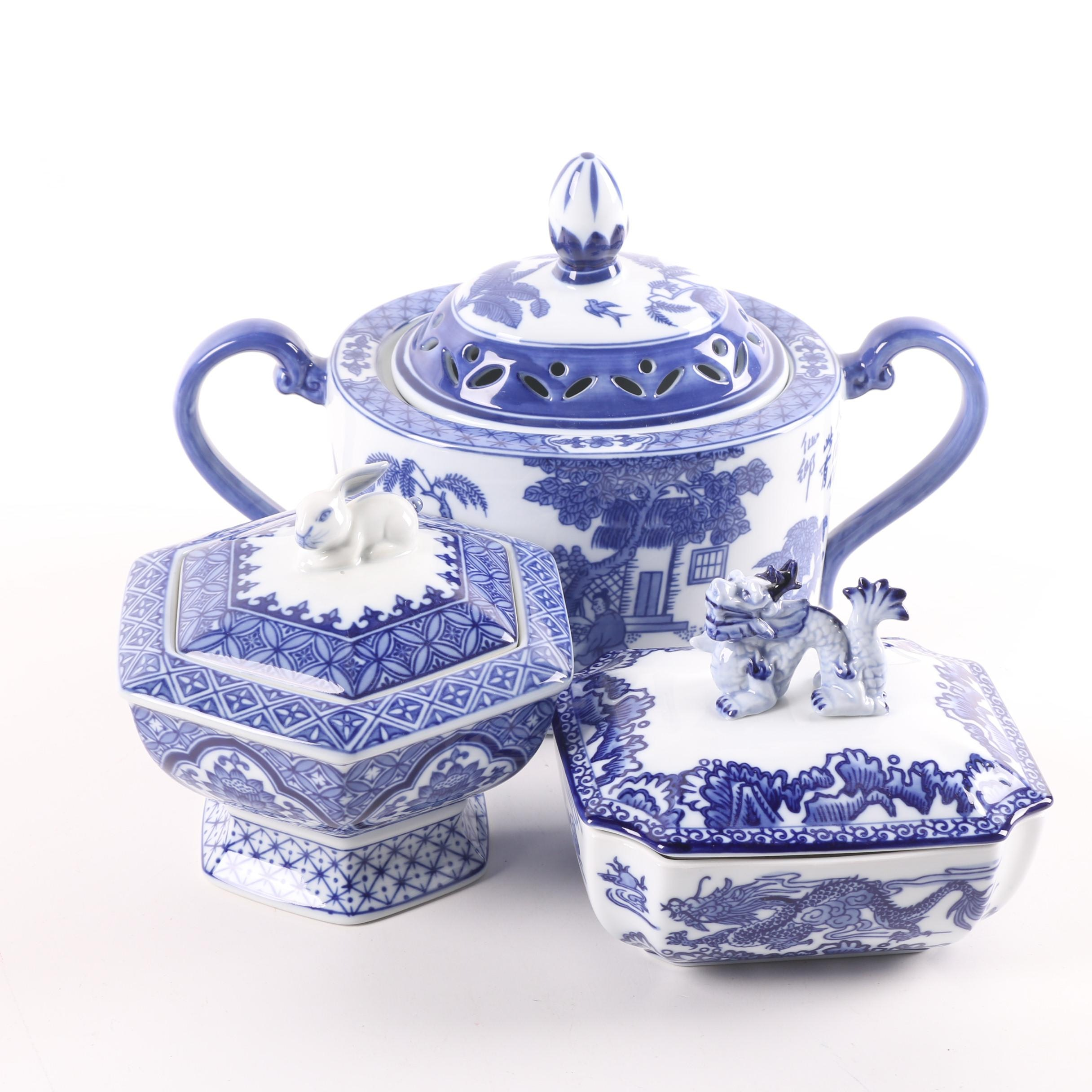 Bombay Chinese Blue and White Pot Potpourri and Covered Boxes