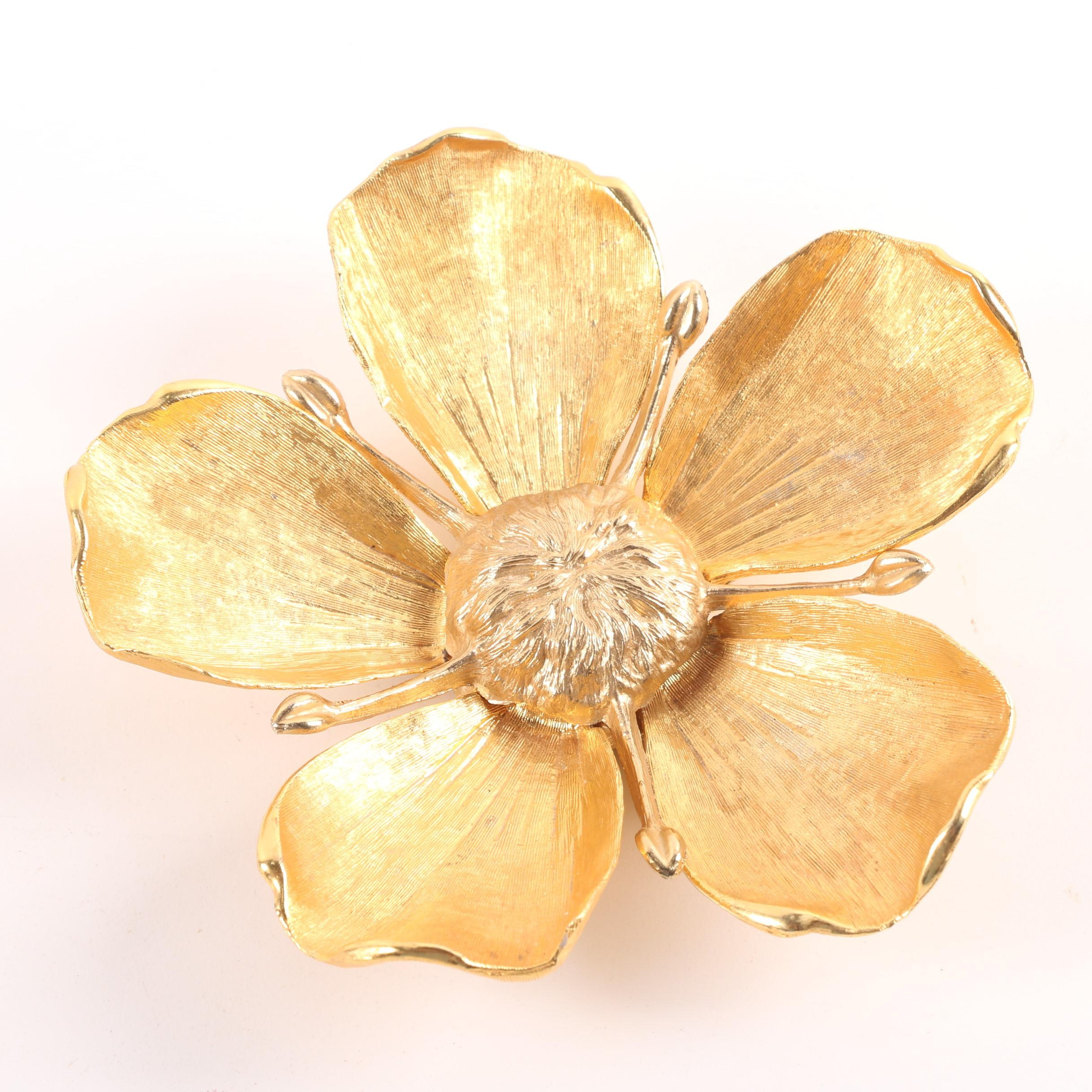 Circa 1960s Gold Tone Flower with Personal Ash Receiver Petals by Tan