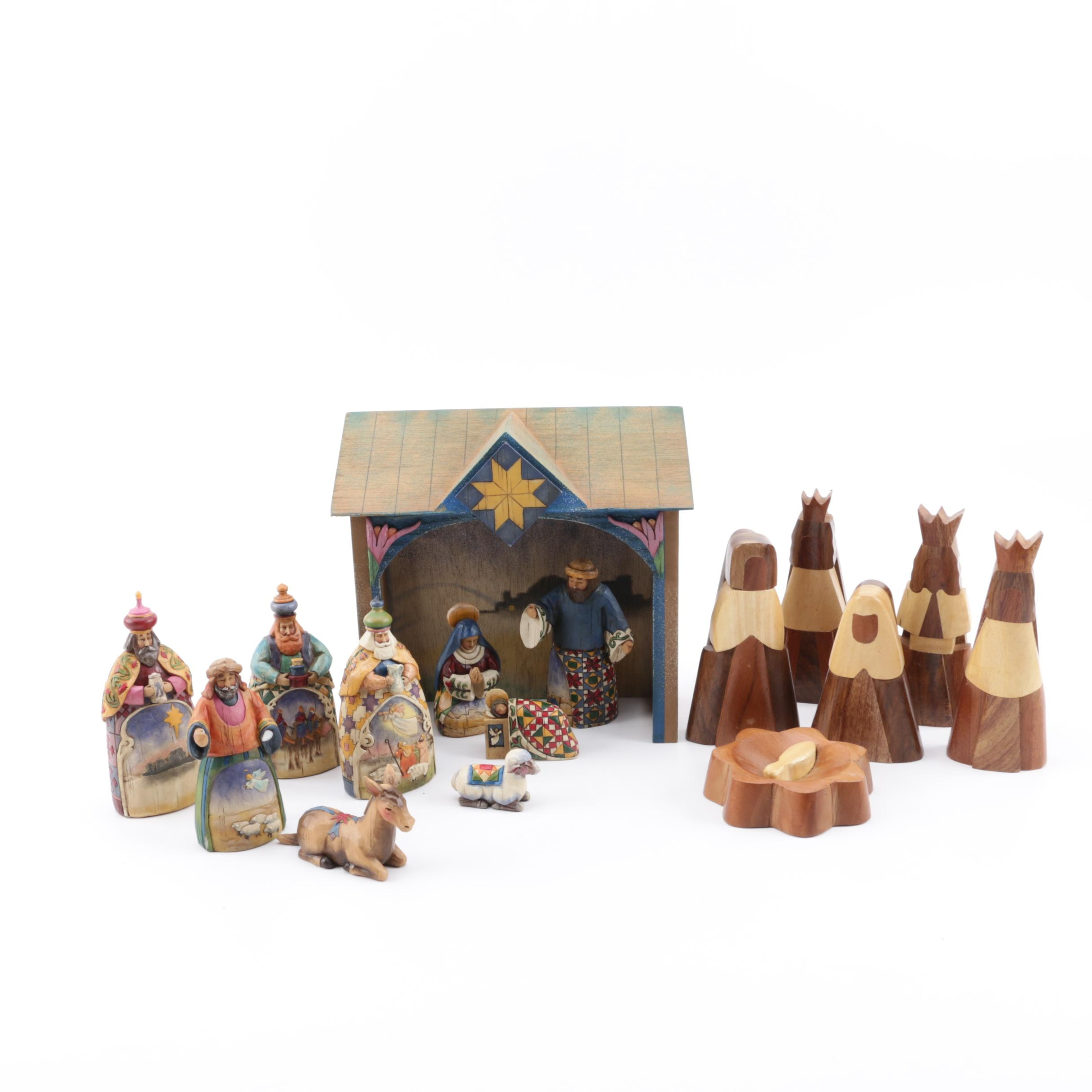 Heartwood Creek Nativity with Crèche Figurines