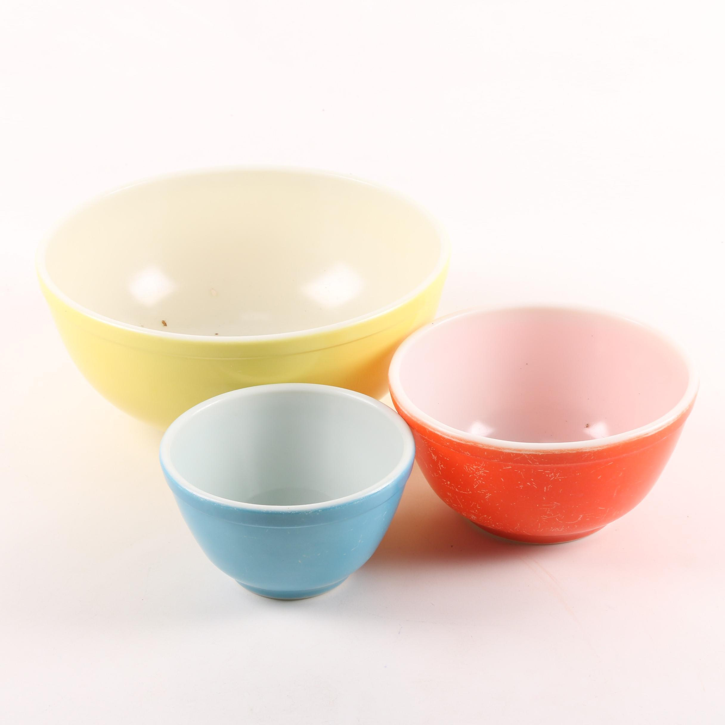 "Vintage Pyrex ""Primary Colors"" Nesting Bowls c. 1945-1949"