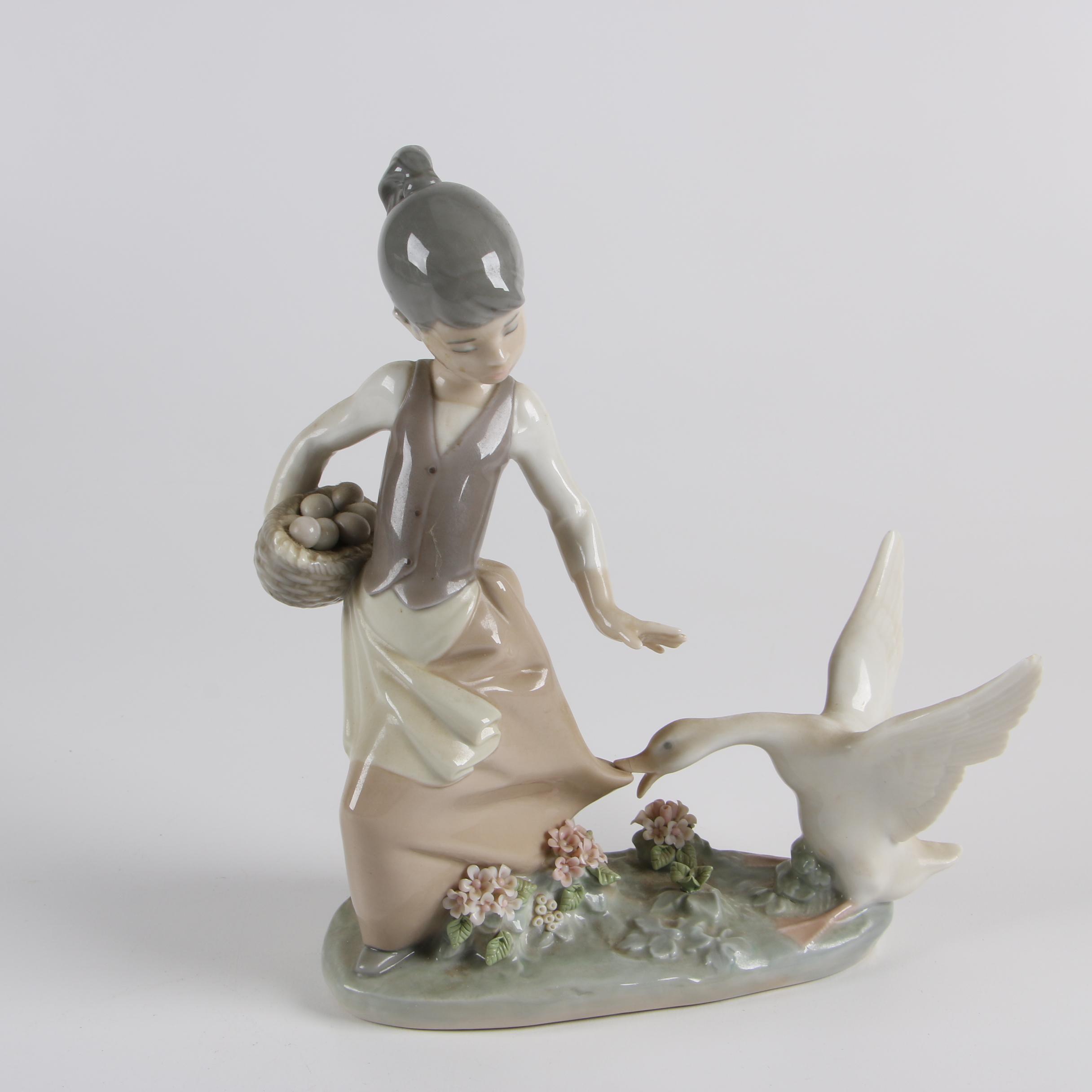 "Lladró  ""Aggressive Goose"" Hand-Painted Porcelain Figurine"