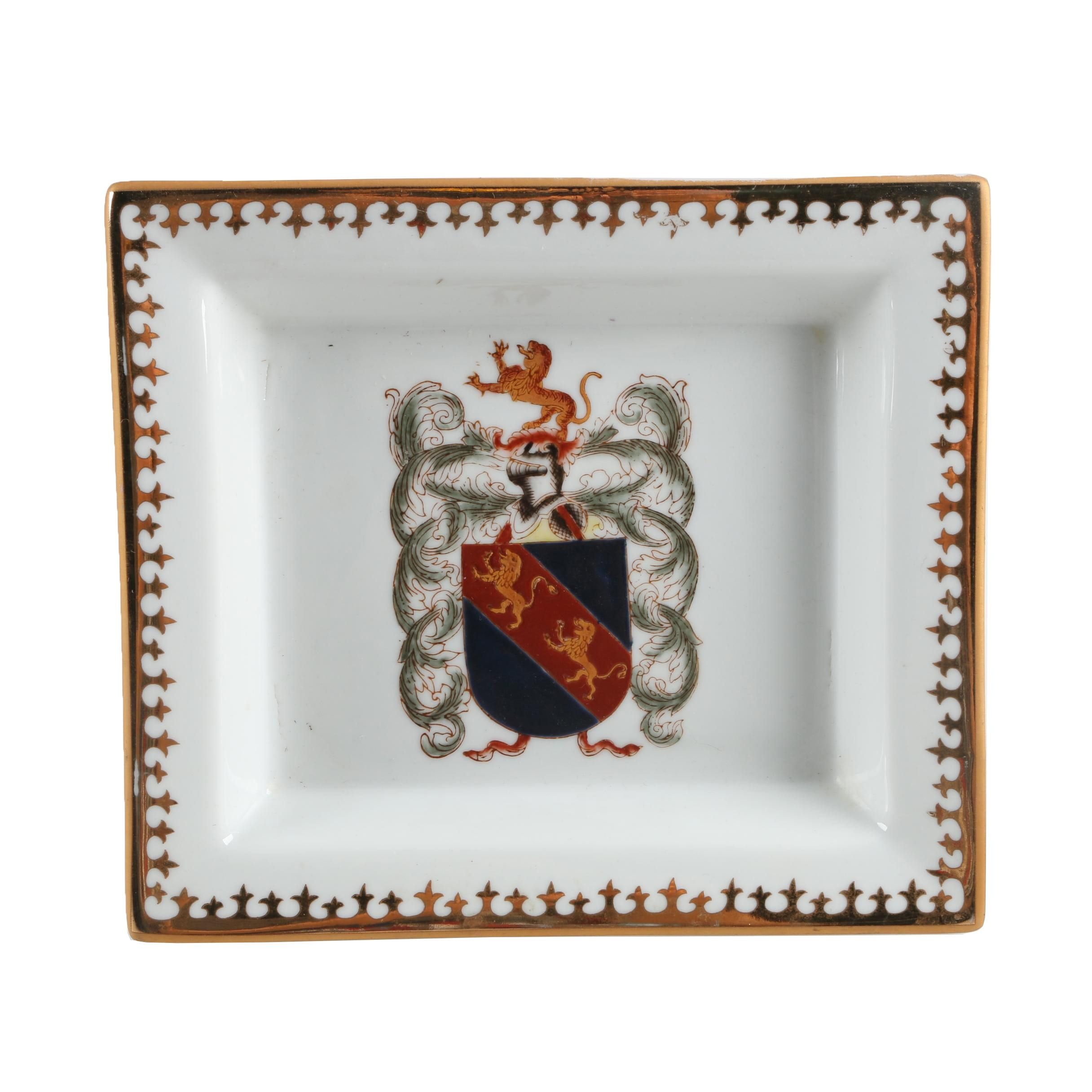 Decorative Chinese Armorial Porcelain Dish
