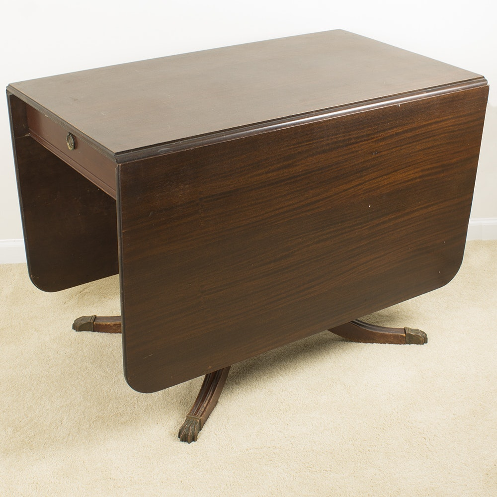 Federal Style Mahogany Drop Leaf Table by Brandt