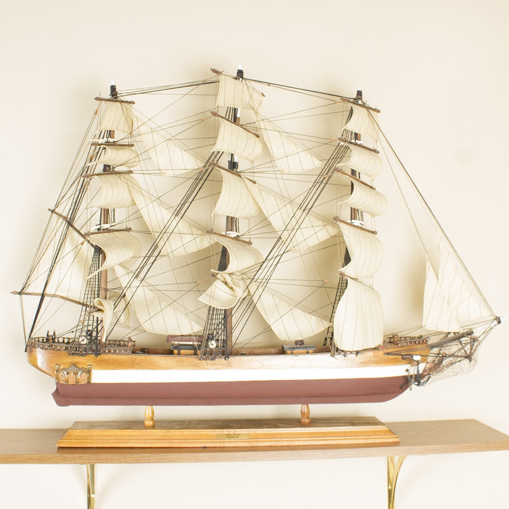 Model Rainbow 1845 Clipper Ship on Stand