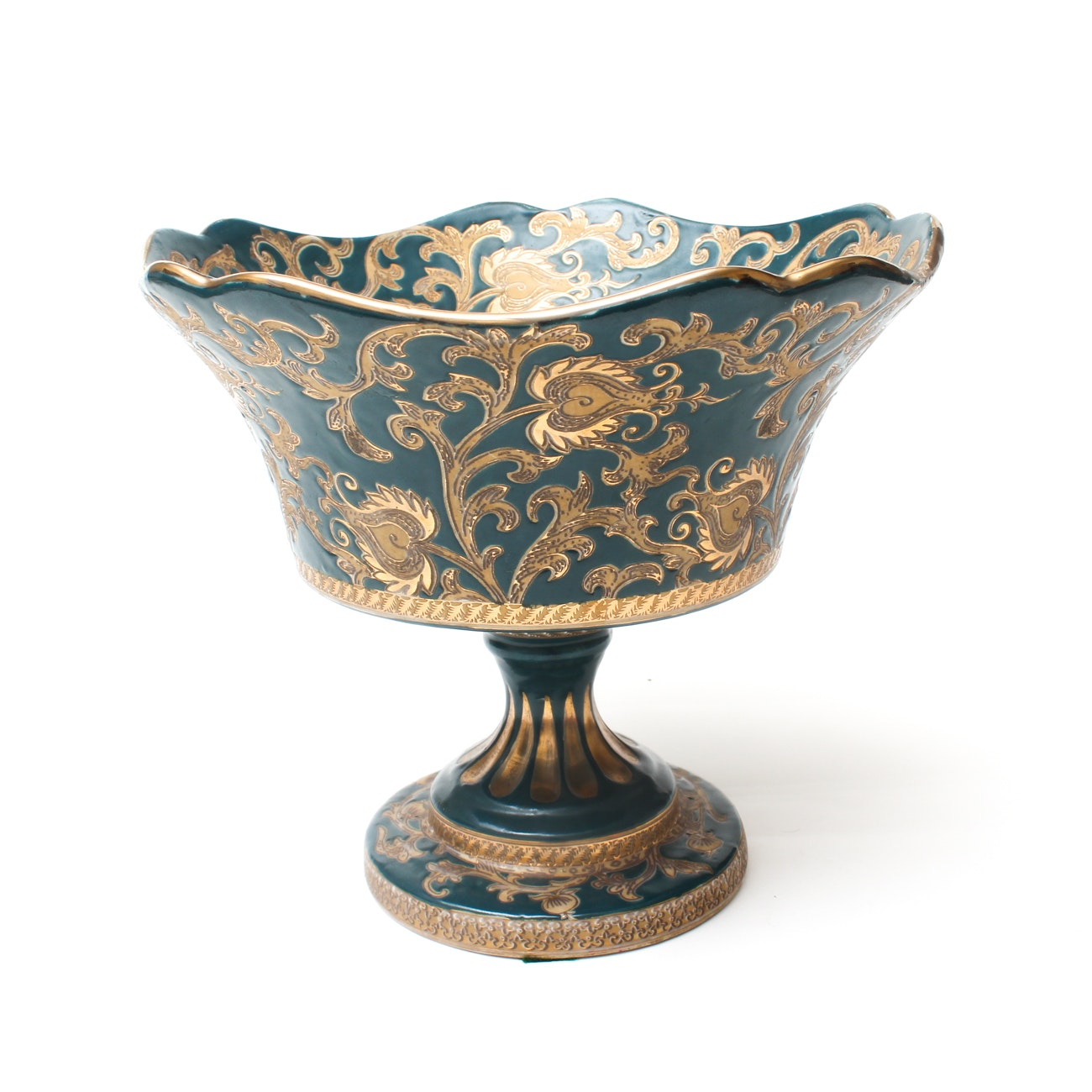 Chinese Decorative Porcelain Pedestal Bowl