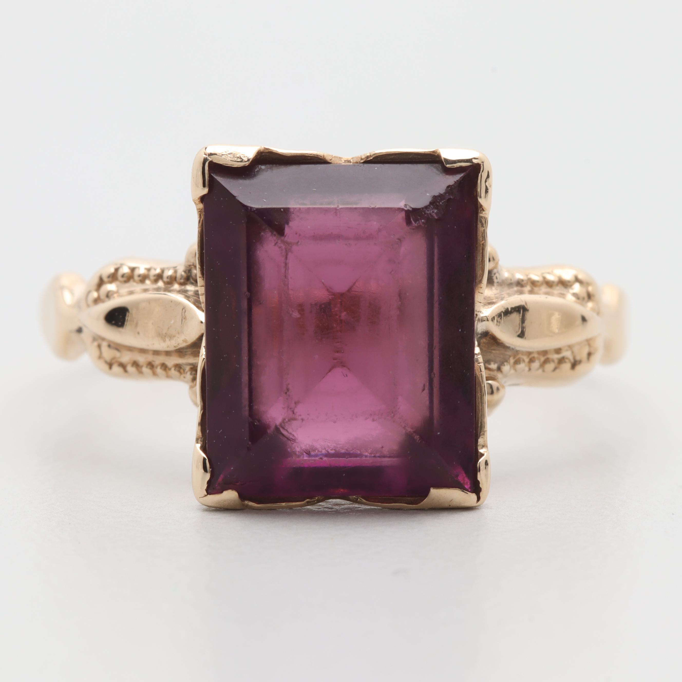 Vintage 10K Yellow Gold Purple Glass Ring