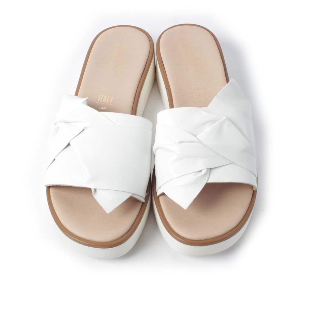 Seychelles Coast White Leather Sandals