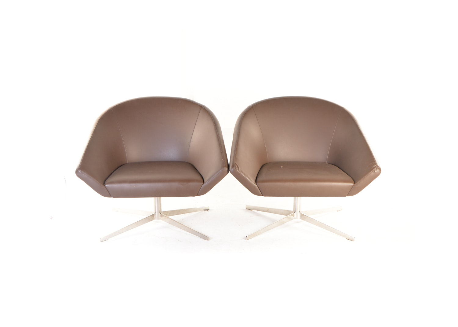 Mid Century Modern Jeffrey Bernett for Bernhardt Leather Remy Lounge Chairs