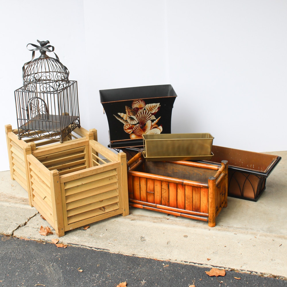 Outdoor Decor and Planters