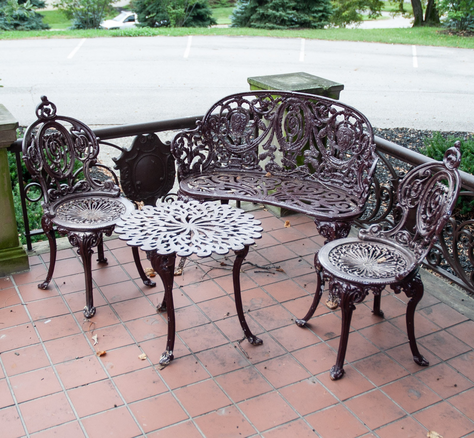 Cast Iron Outdoor Patio Ensemble
