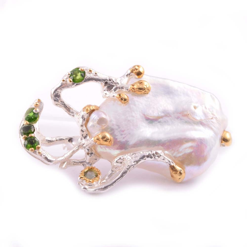 Sterling Silver Freshwater Pearl and Peridot Brooch