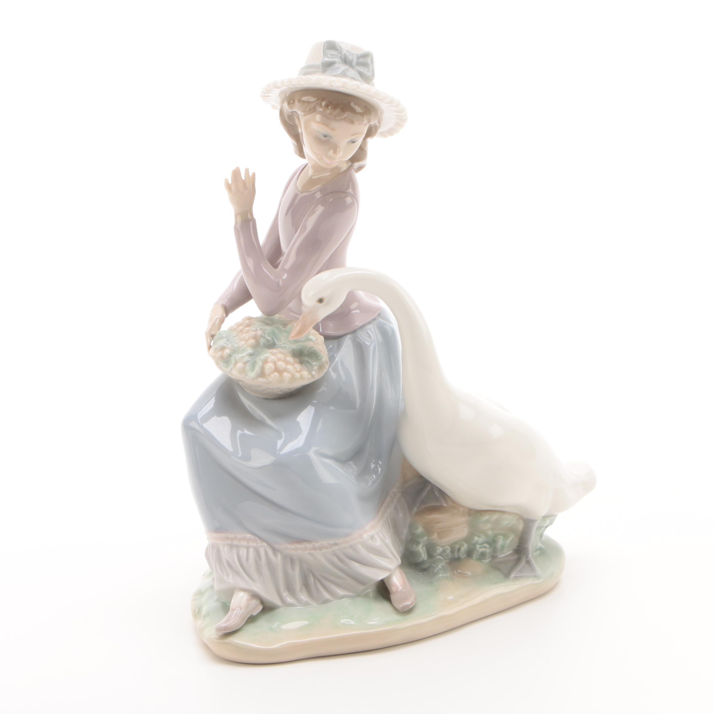 "Lladró ""Goose Trying To Eat"" Porcelain Figurine"