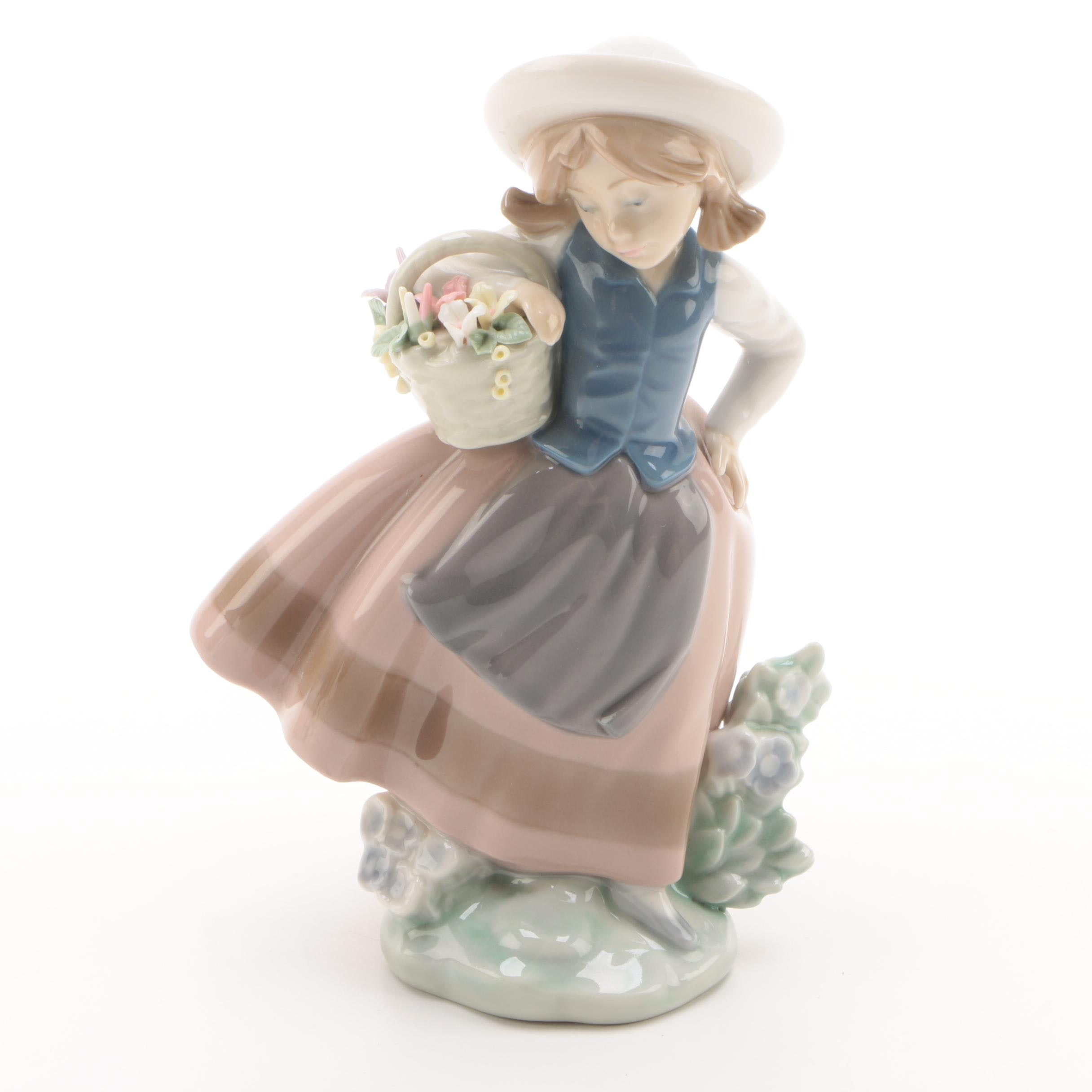 "Lladró Hand-Painted Porcelain Figurine ""Sweet Scent"""