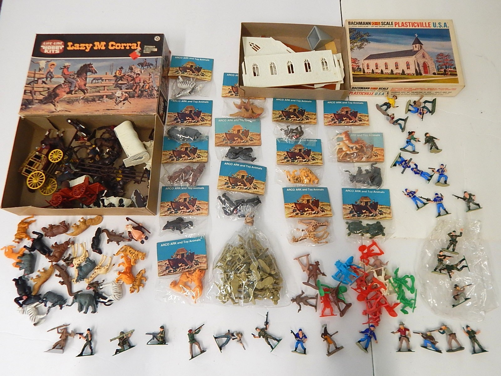 Vintage O-Gauge Train Model Kits and Figures - Some Hand-Painted