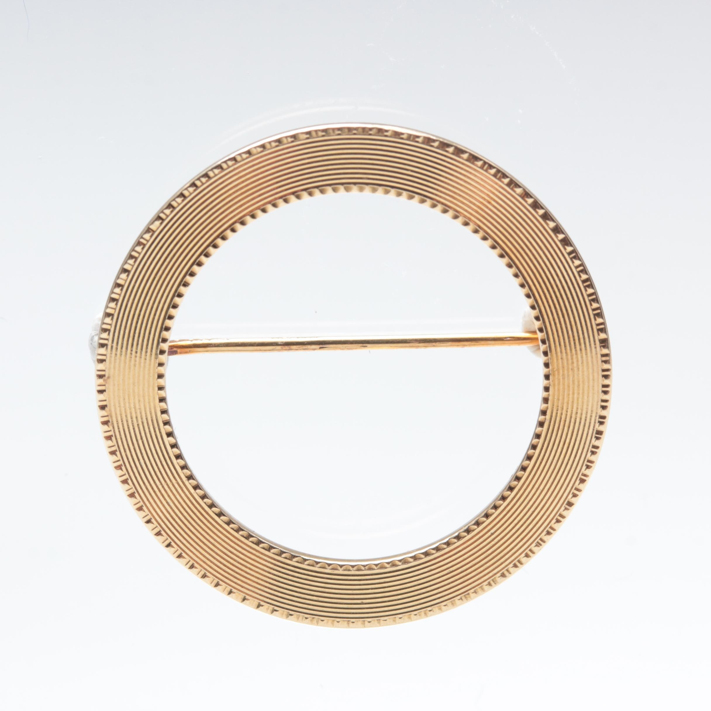14K Yellow Gold Circle Brooch
