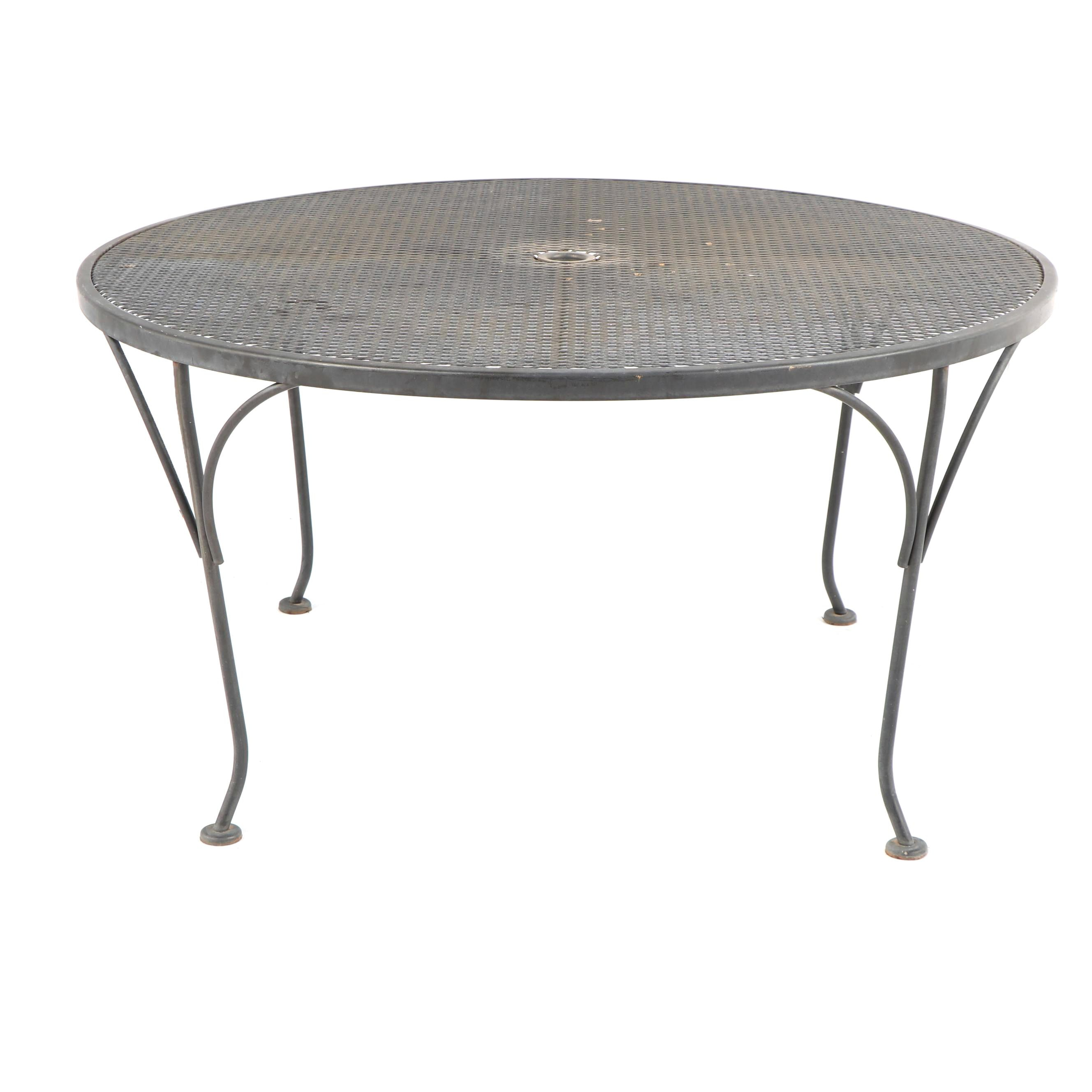 Round Metal Mesh Top Patio Coffee Table