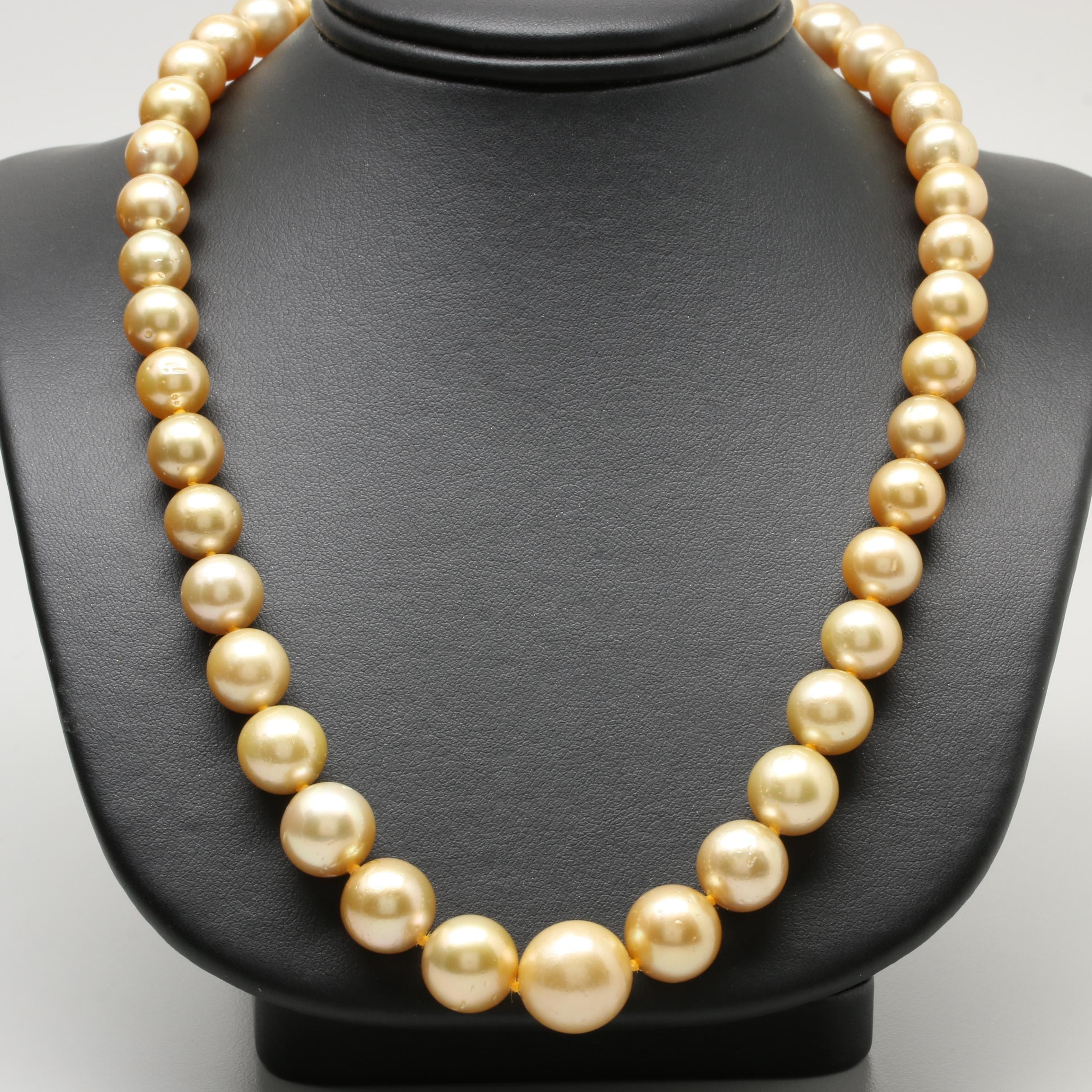 Silver Tone Cultured Pearl Graduated Strand Necklace