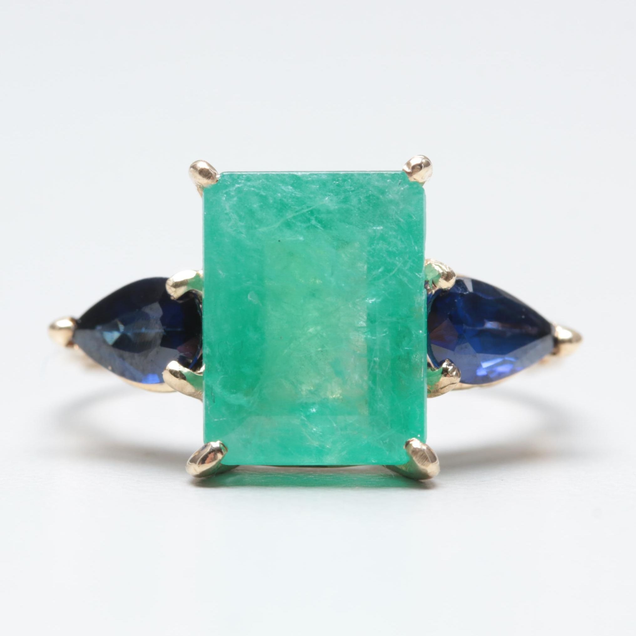 14K Yellow Gold 2.50 CT Emerald and Blue Sapphire Ring
