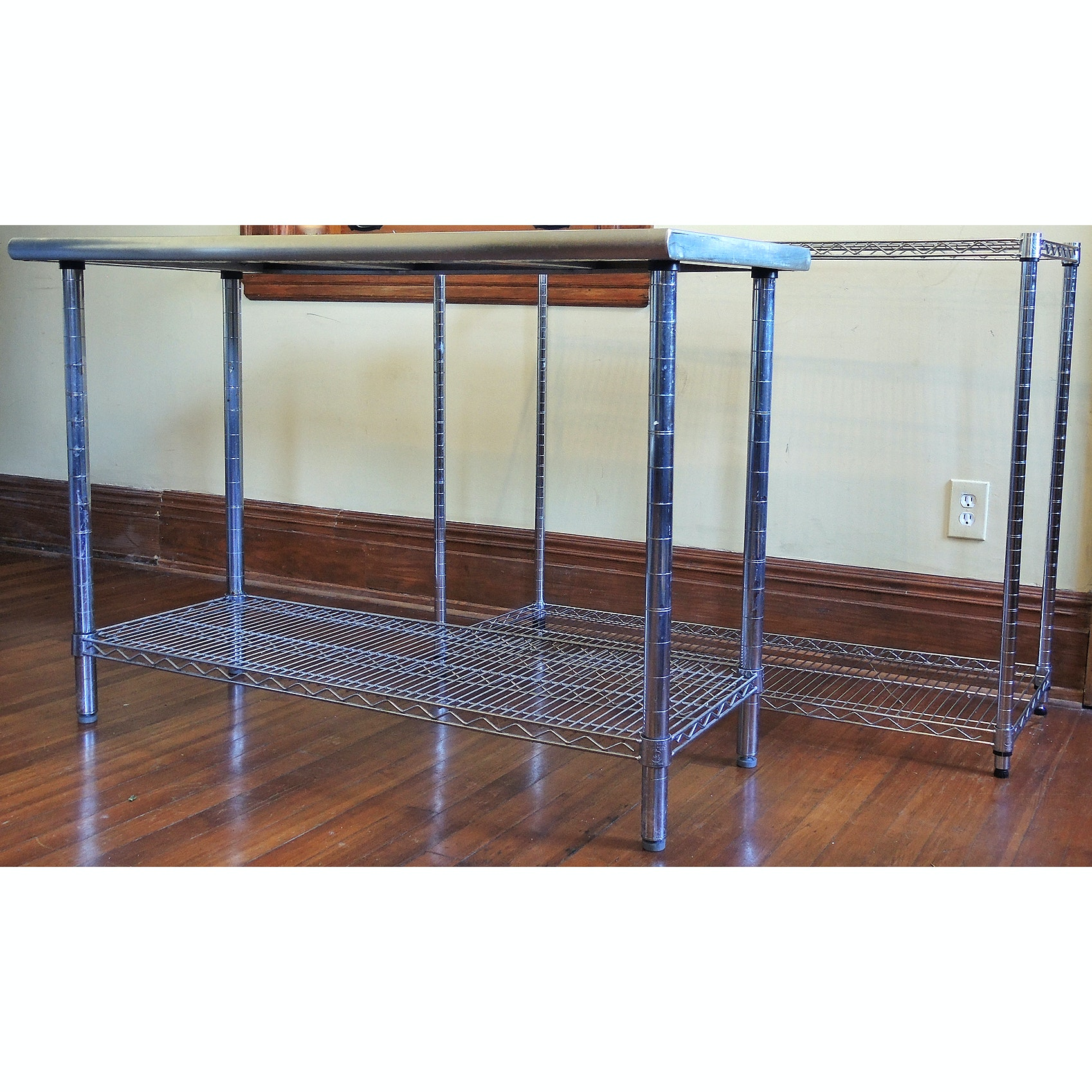 Ultra Durable Seville Classics Stainless Table Top and Metal Shelf