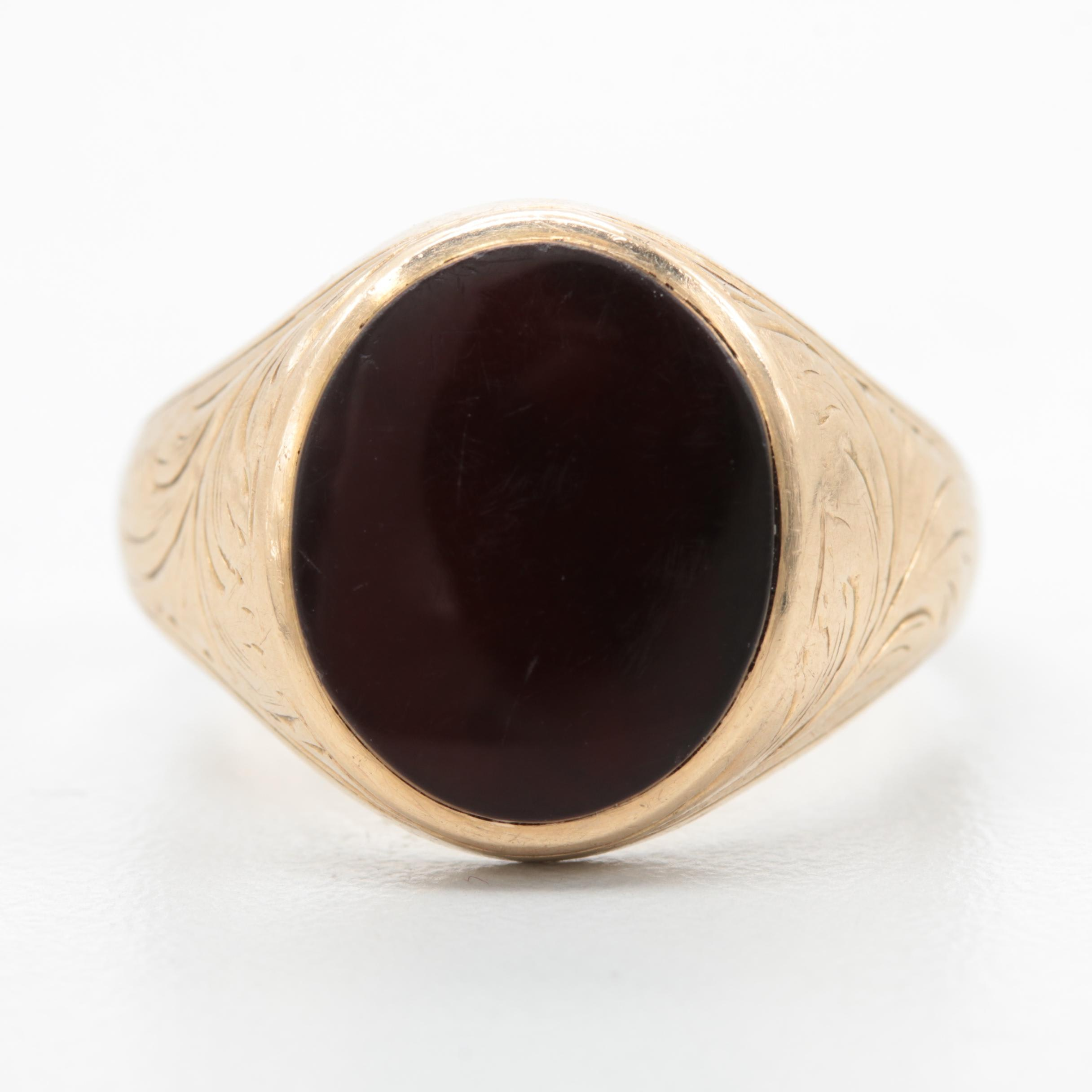Late 1800s - Early 1900s 10K Yellow Gold Garnet Ring