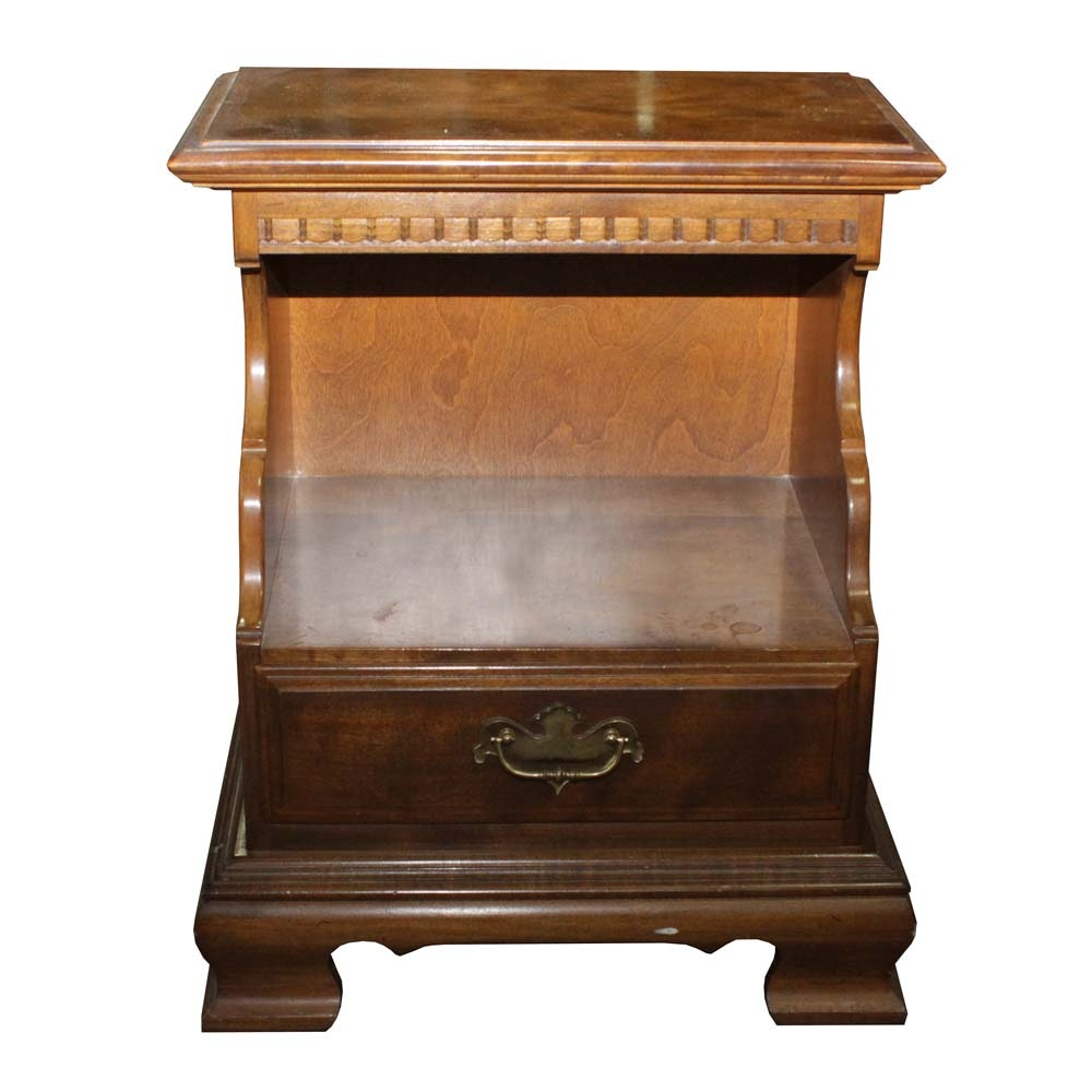 Vintage Ethan Allen Colonial Revival Night Stand