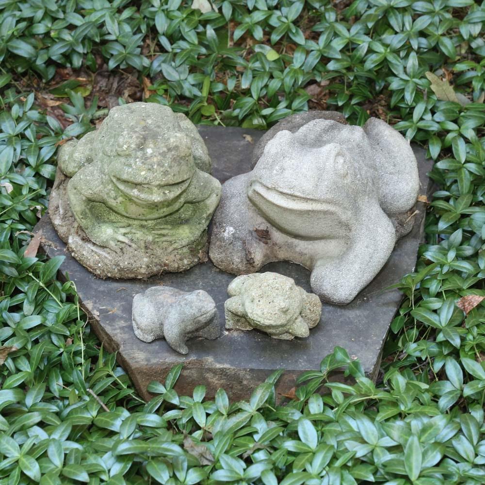Concrete Frog Lawn Statues