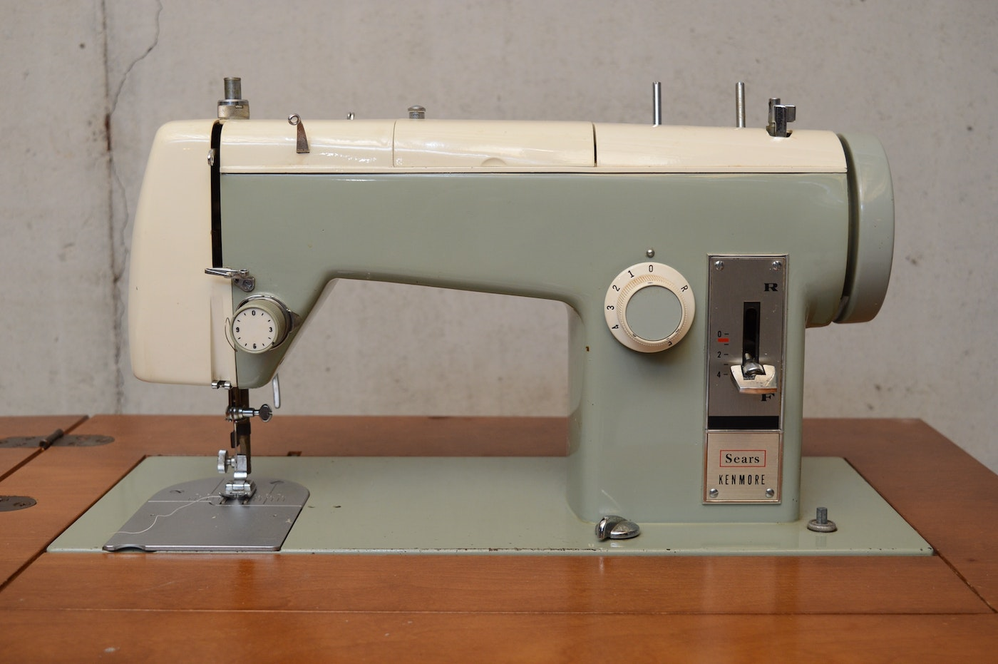 Sears Kenmore Model 2142 Sewing Machine with Cabinet | EBTH