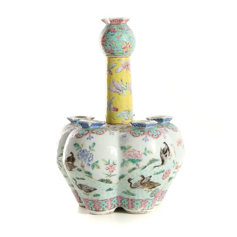 Chinese Garlic-Form Porcelain Tulip Vase