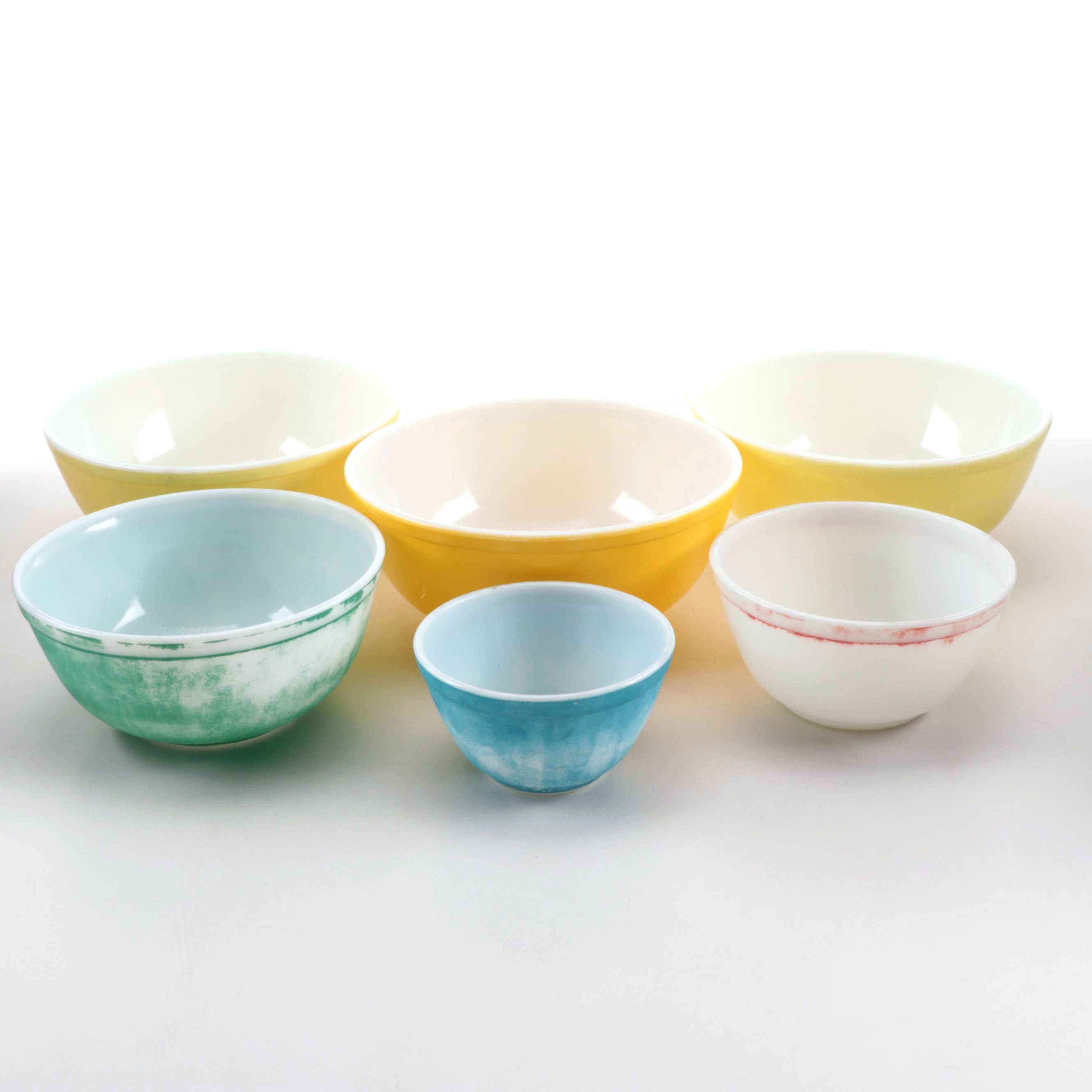 "Vintage Pyrex ""Primary Colors"" Nesting Bowls c. 1945-49"