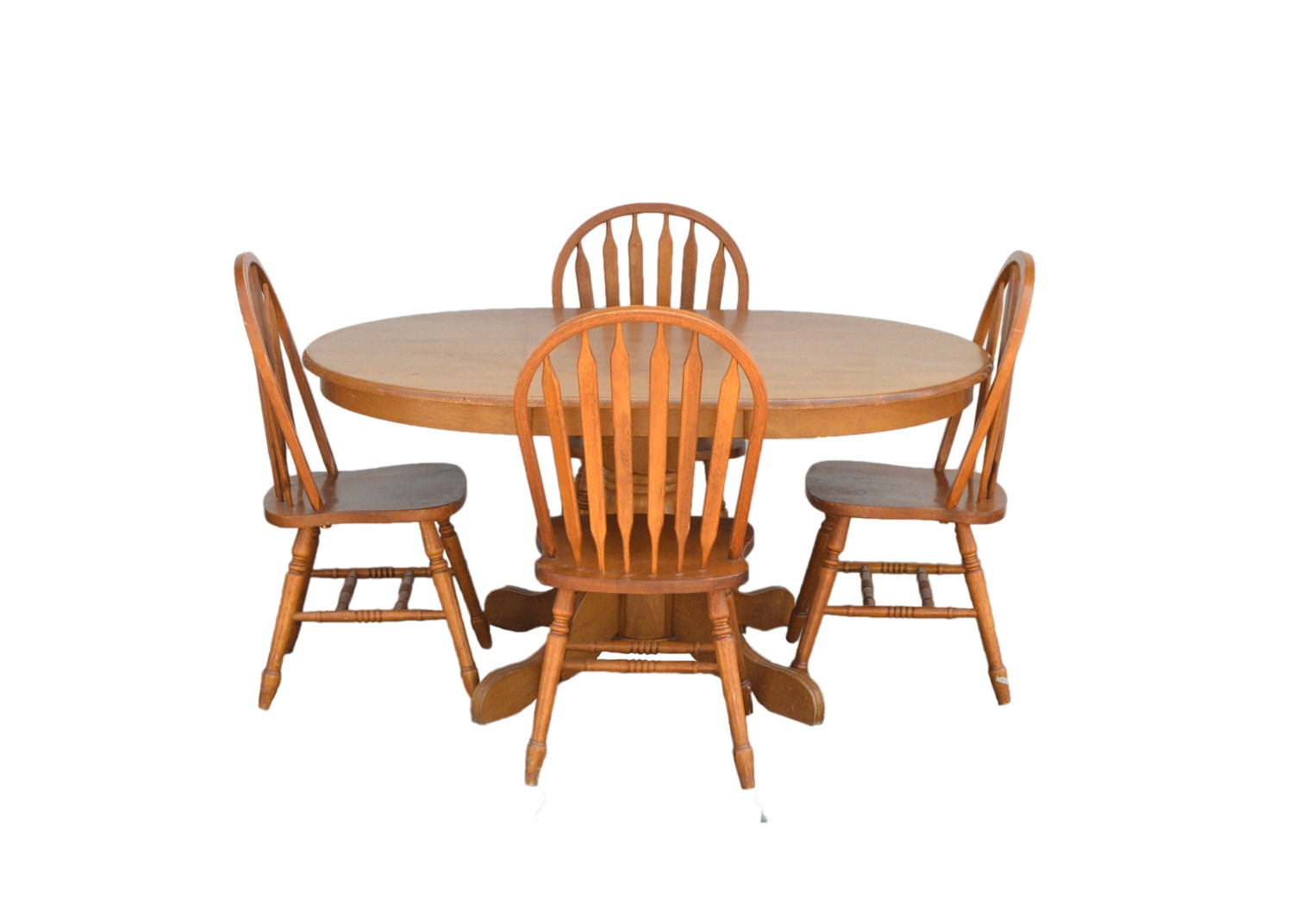 Country Style Pedestal Dining Table with Windsor Style Side Chairs