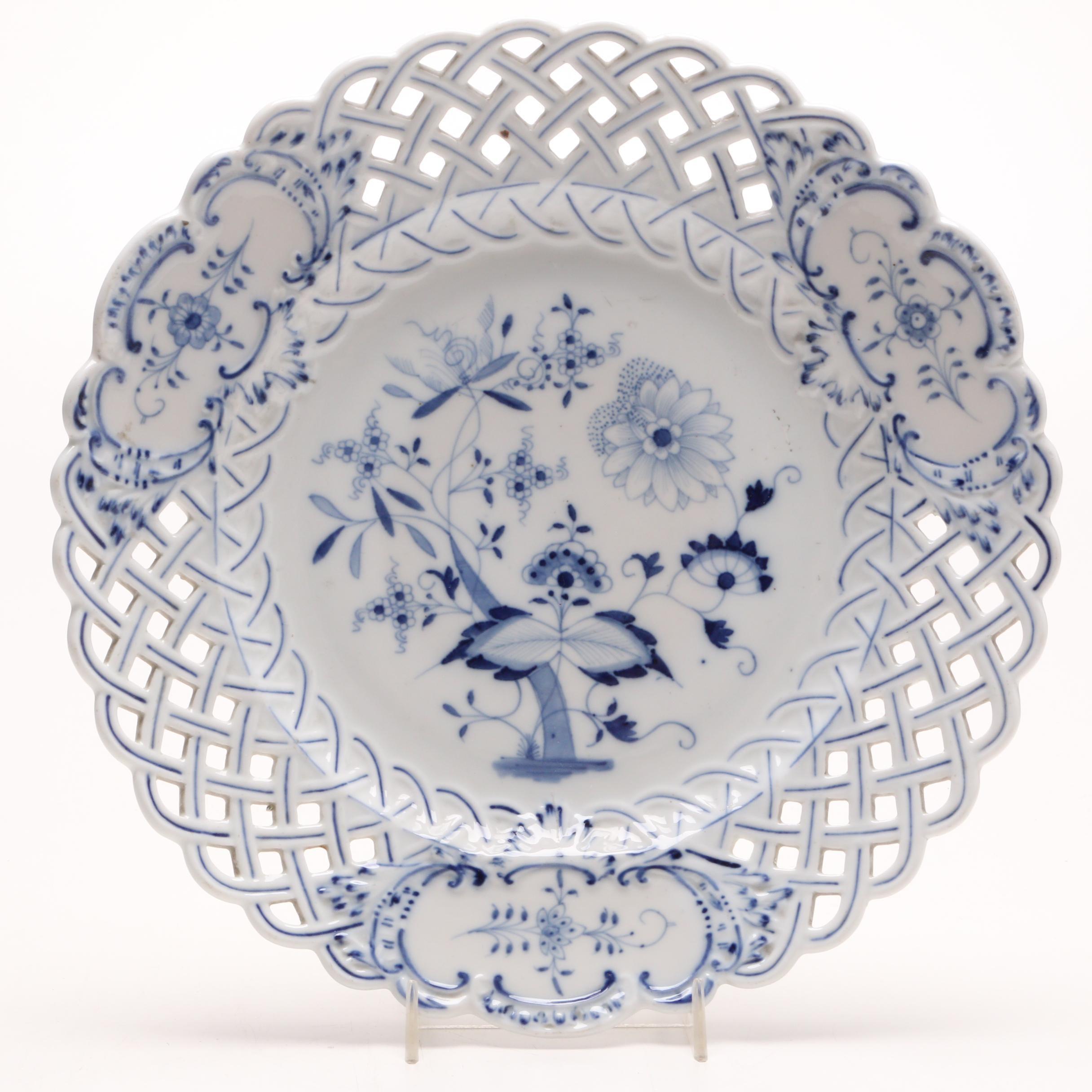 "Carl Theichert Meissen Stove ""Blue Onion"" Porcelain Plate, Circa 1882-1929"