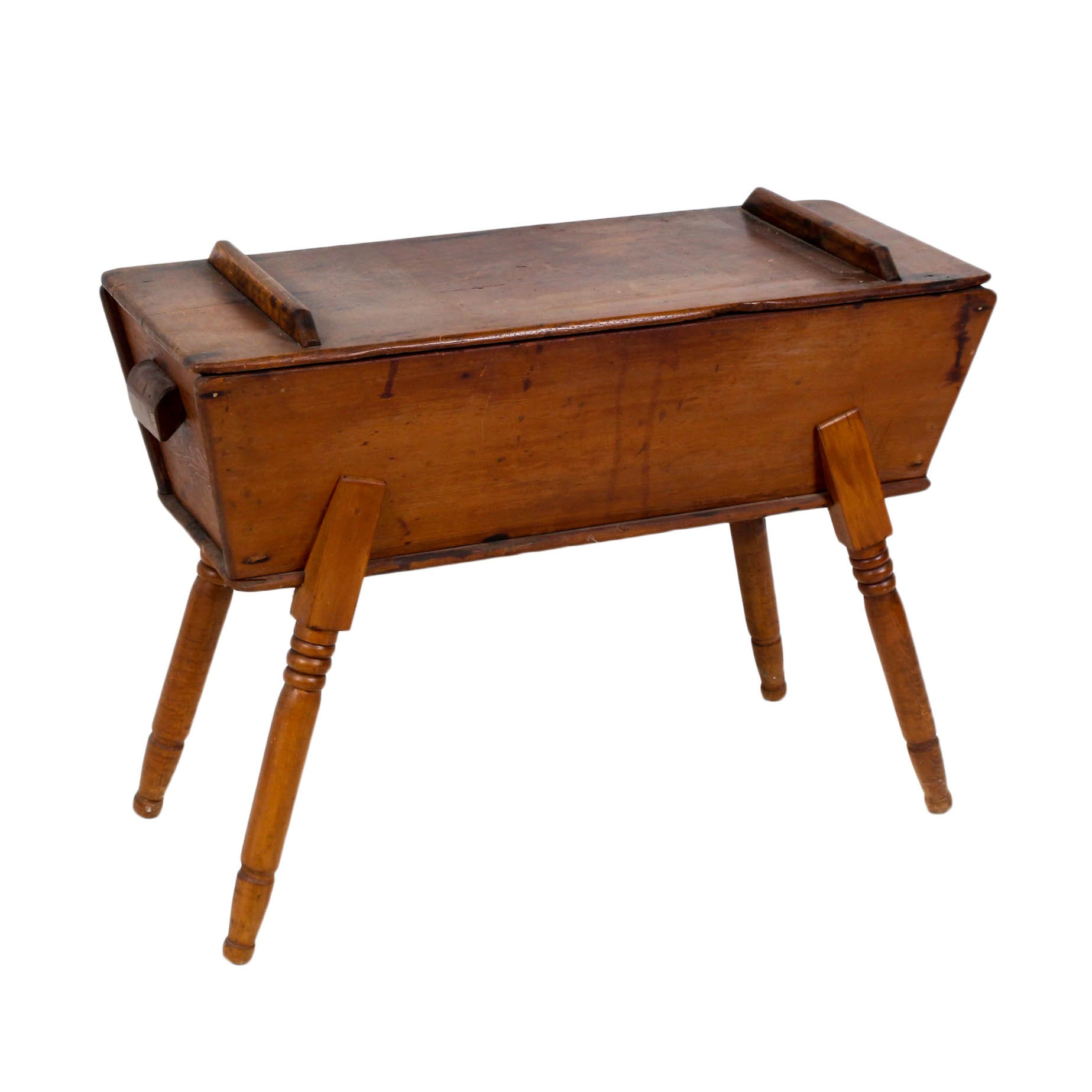 American Pine Dough Box with Lid, Early to Mid-19th Century