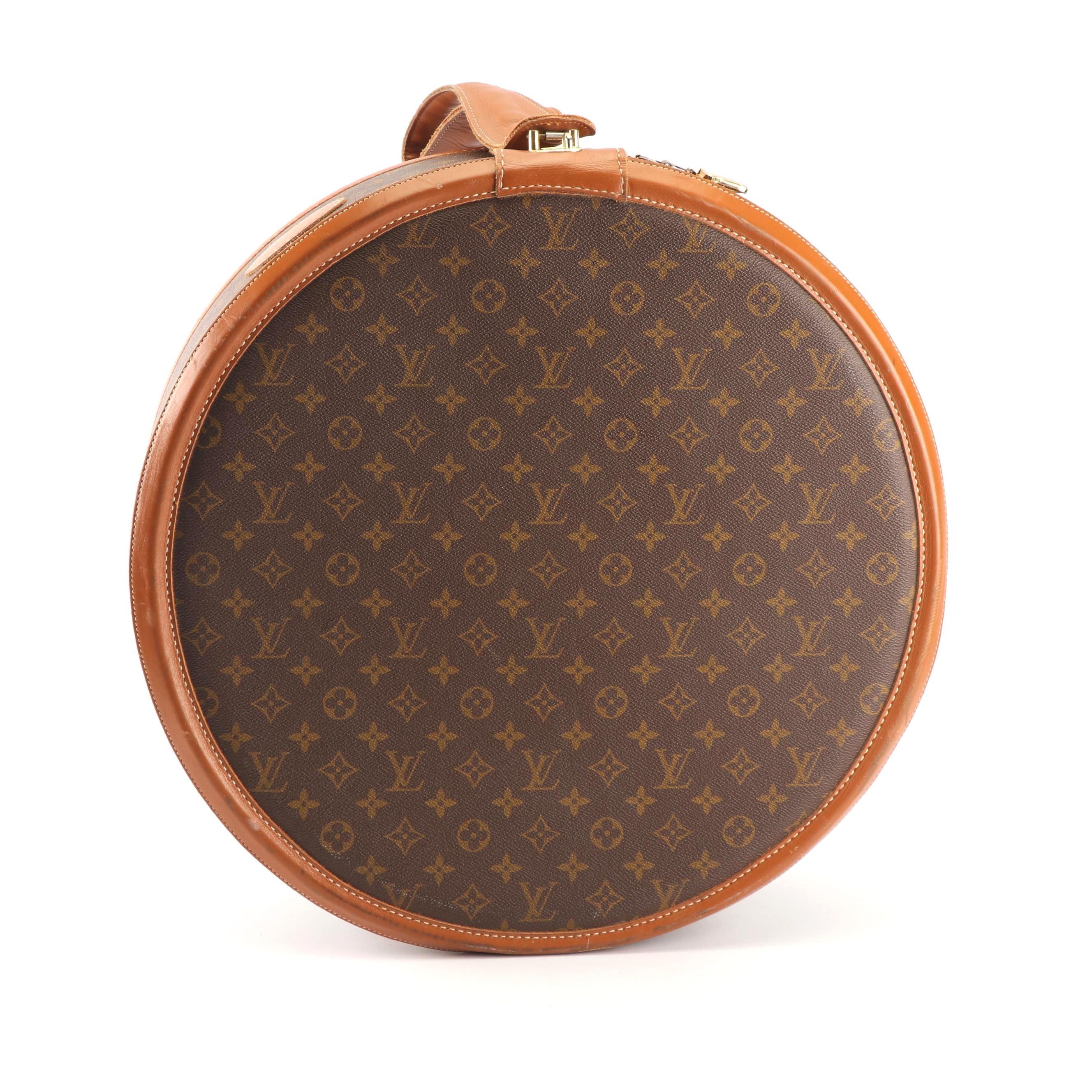 1970s Louis Vuitton The French Company Boite Chapeaux Round Hat Box