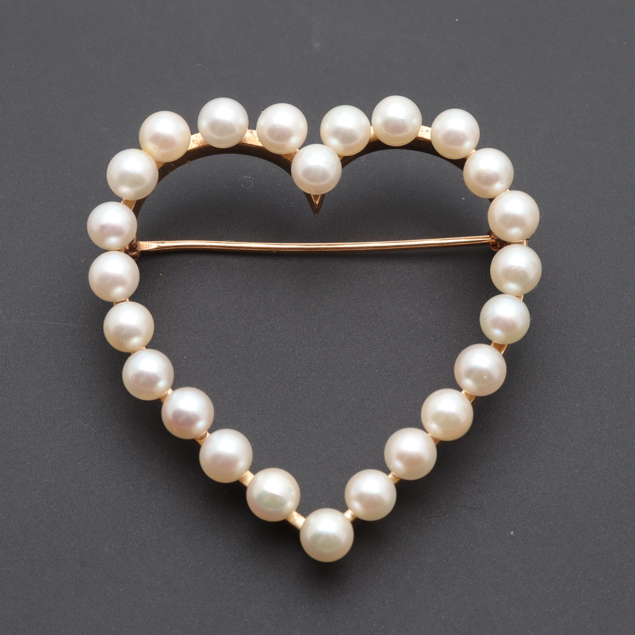 14K Yellow Gold Cultured Pearl Heart Brooch