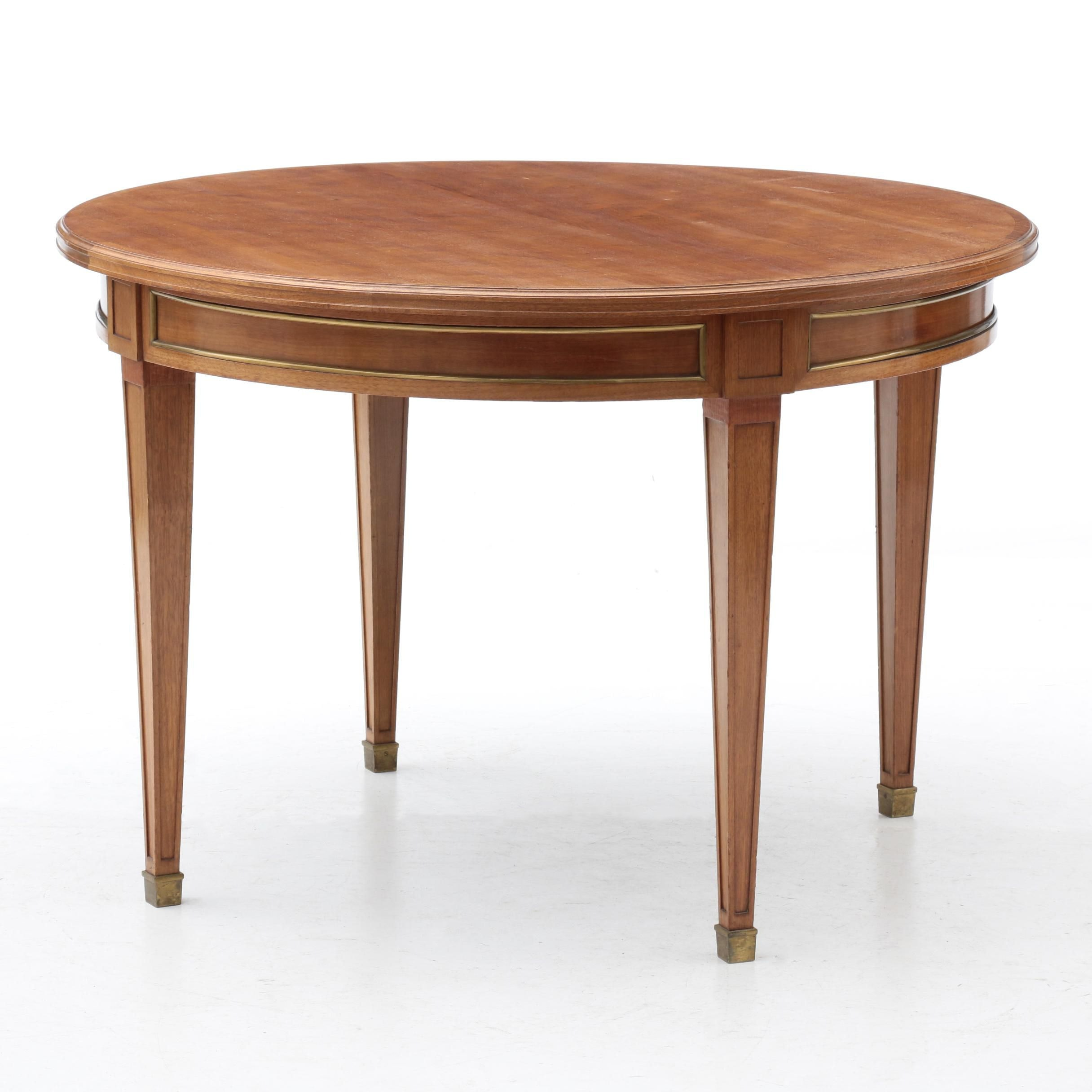 Federal Style Walnut Dining Table, Late 20th Century