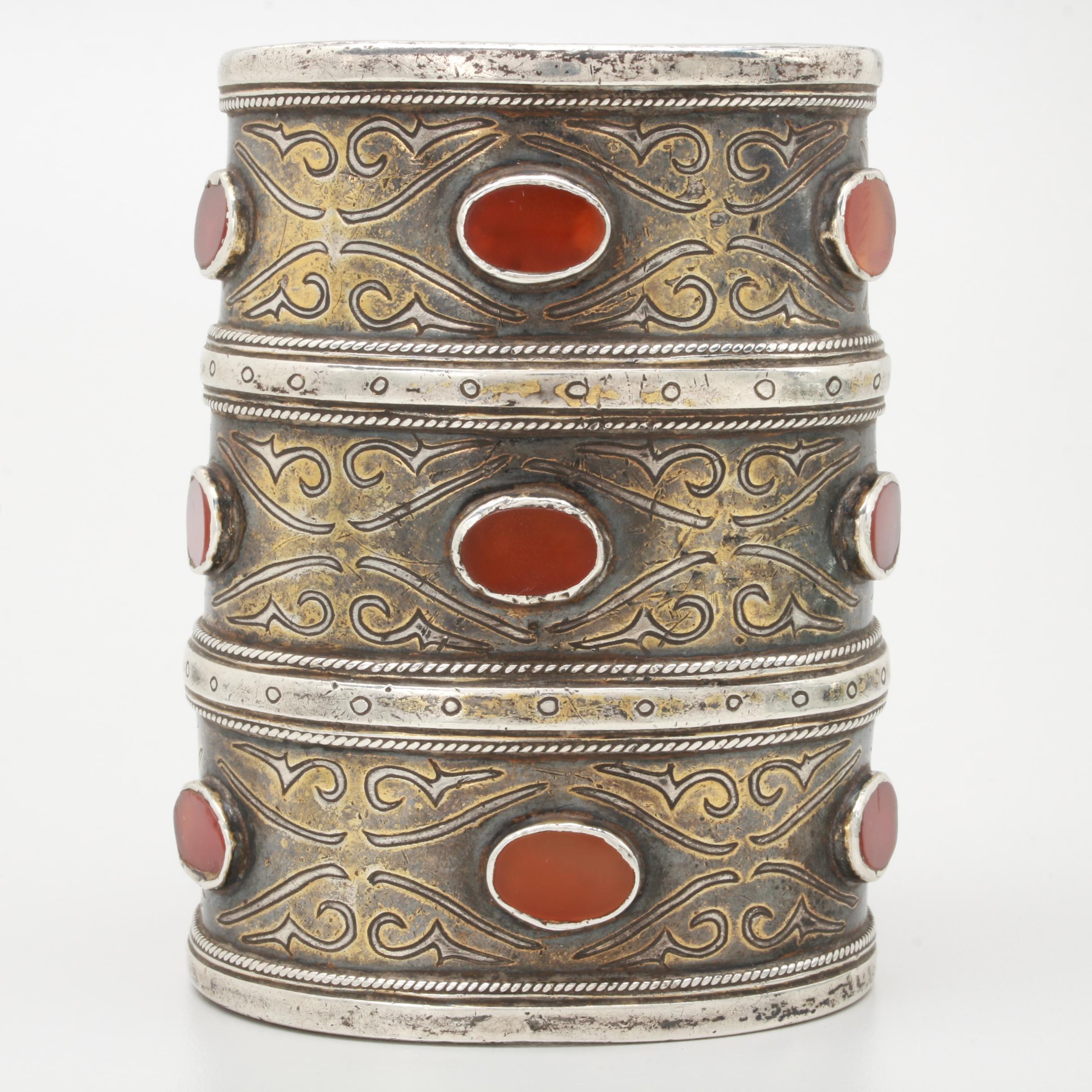 Turkmen Tekke Style Sterling Silver Armband Bracelet with Carnelian