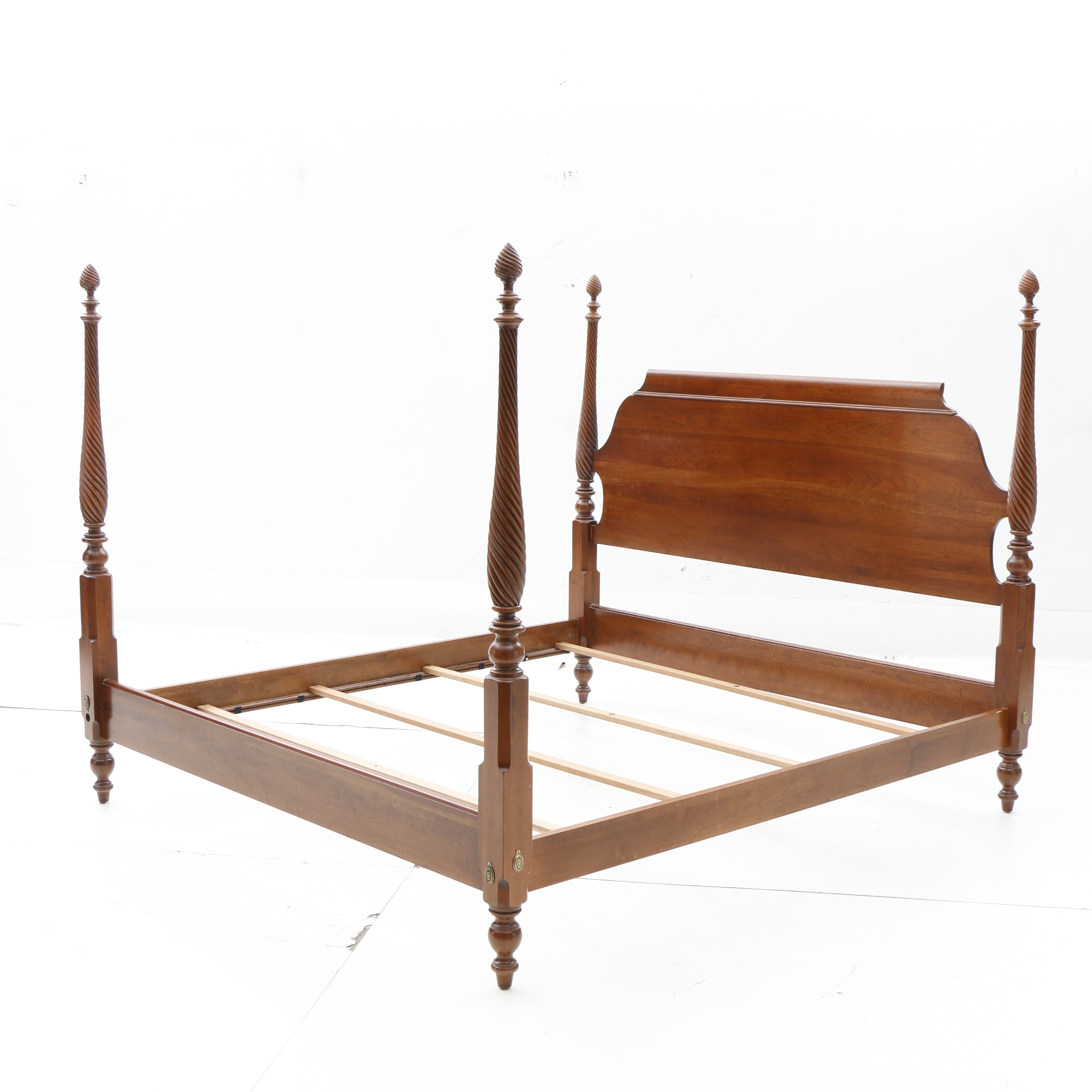 Federal Style Four Poster Cherry Finish Queen Bed by Ethan Allen, 20th Century