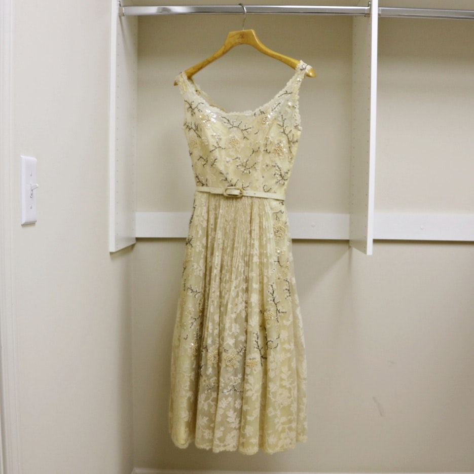 Women's 1953 Beaded Sleeveless Cocktail Dress