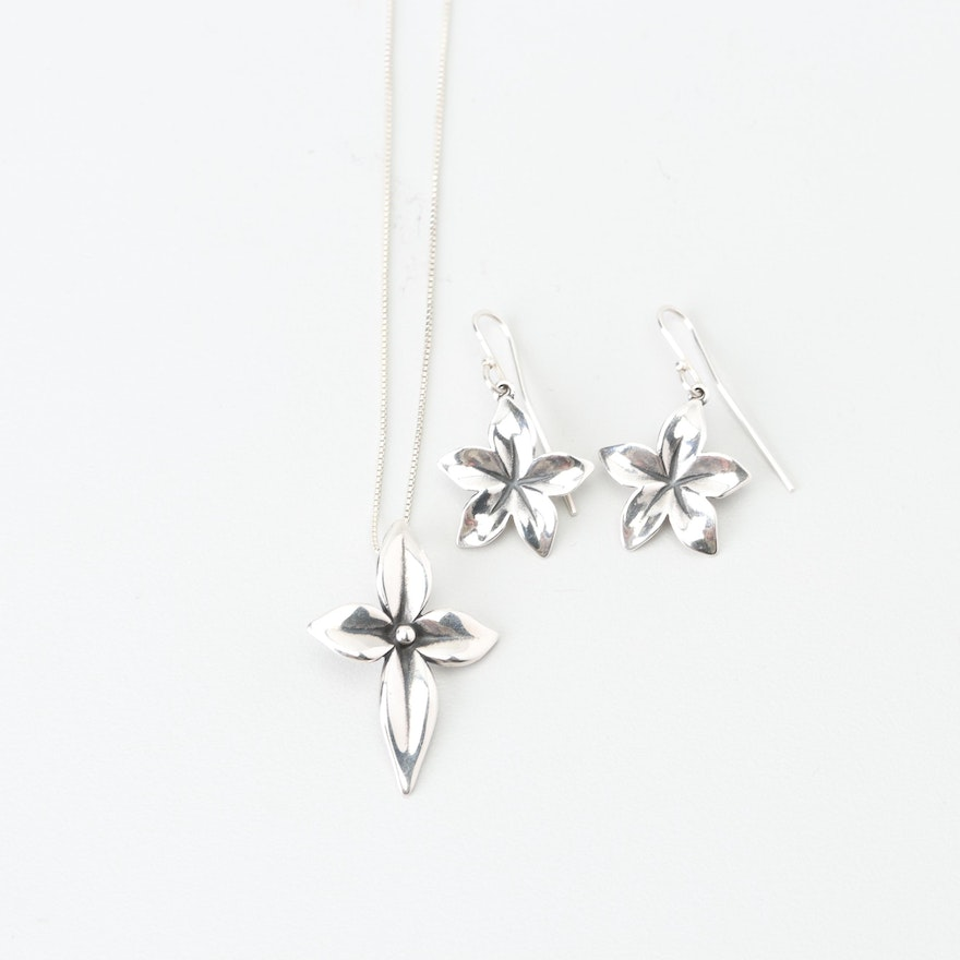 2119763a6 James Avery Sterling Silver Flower Pendant Necklace and Earrings : EBTH