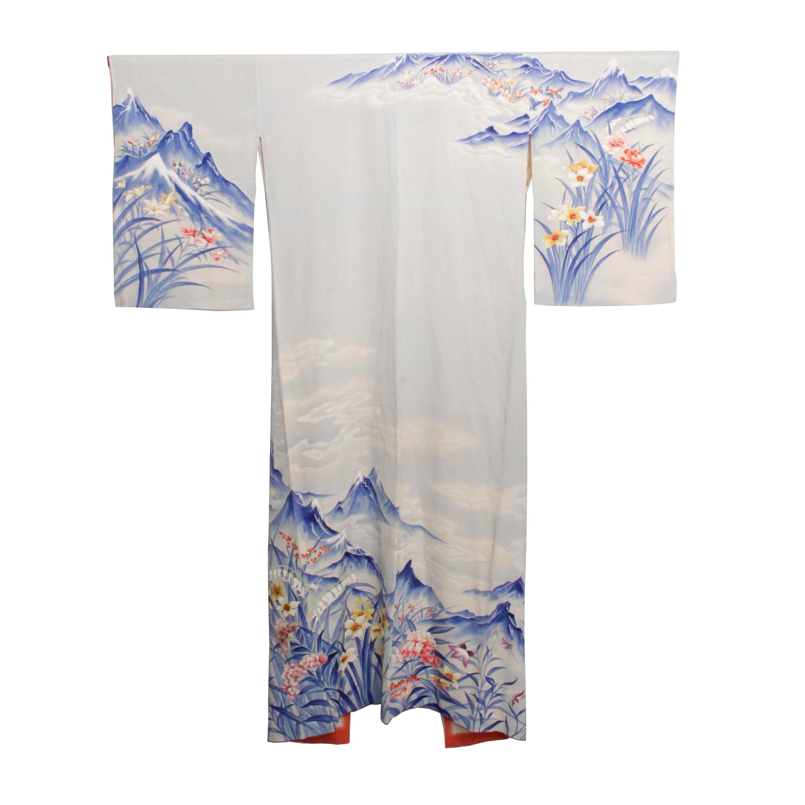 Circa 1930 Vintage Handwoven Silk Crepe Kimono